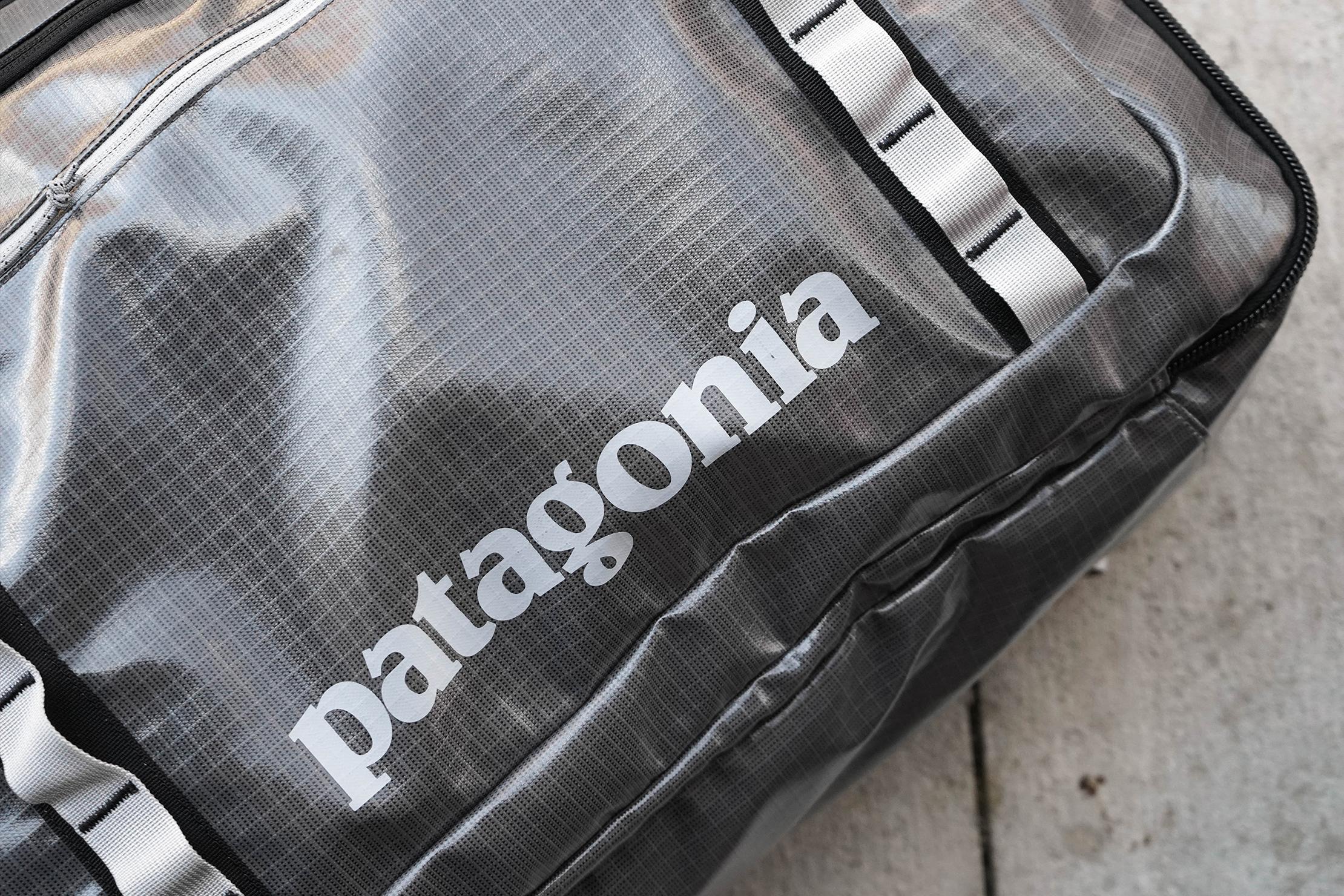 Patagonia Black Hole MLC 45 Logo