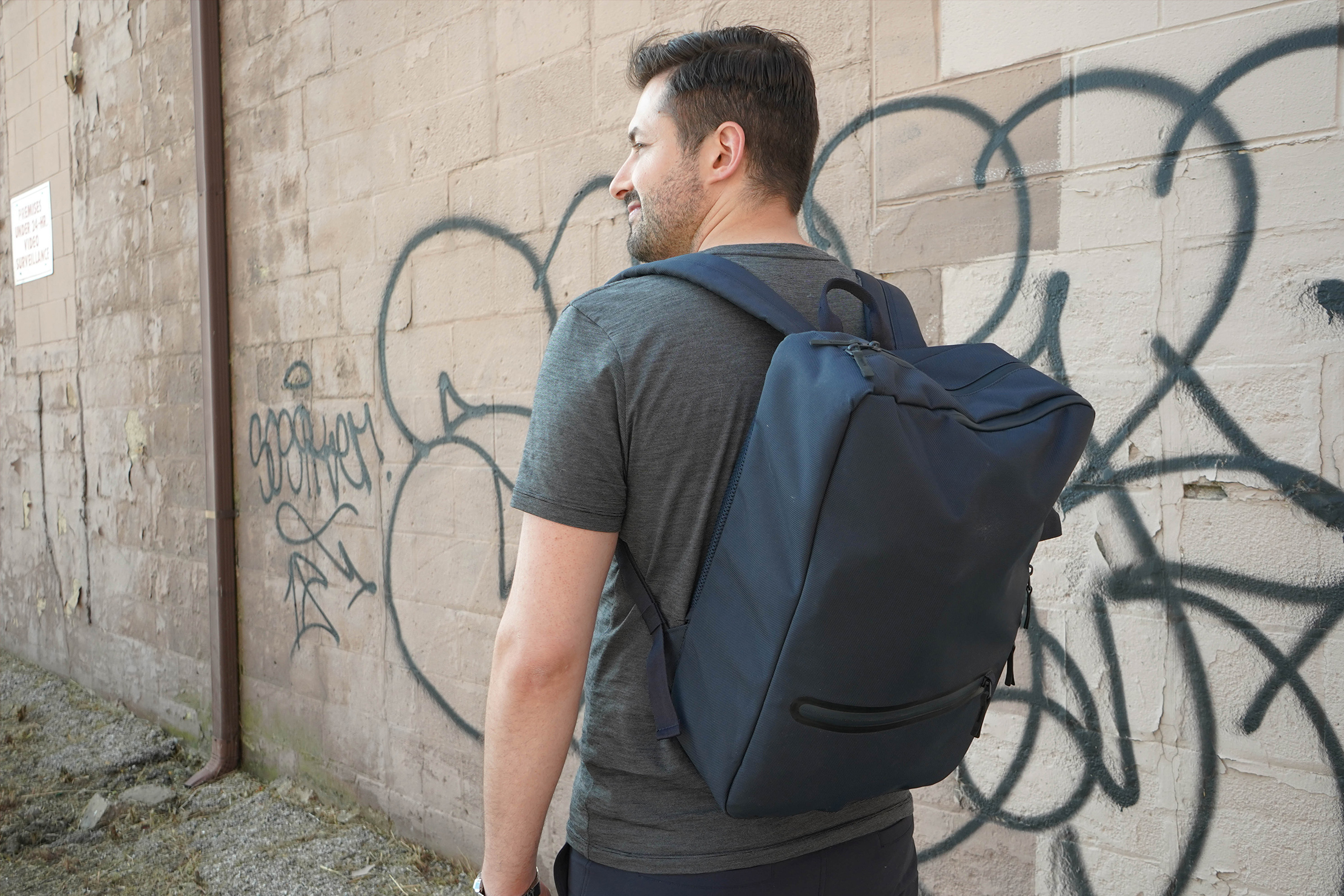 Uniqlo 3 Way Bag Review (budget friendly) | Pack Hacker