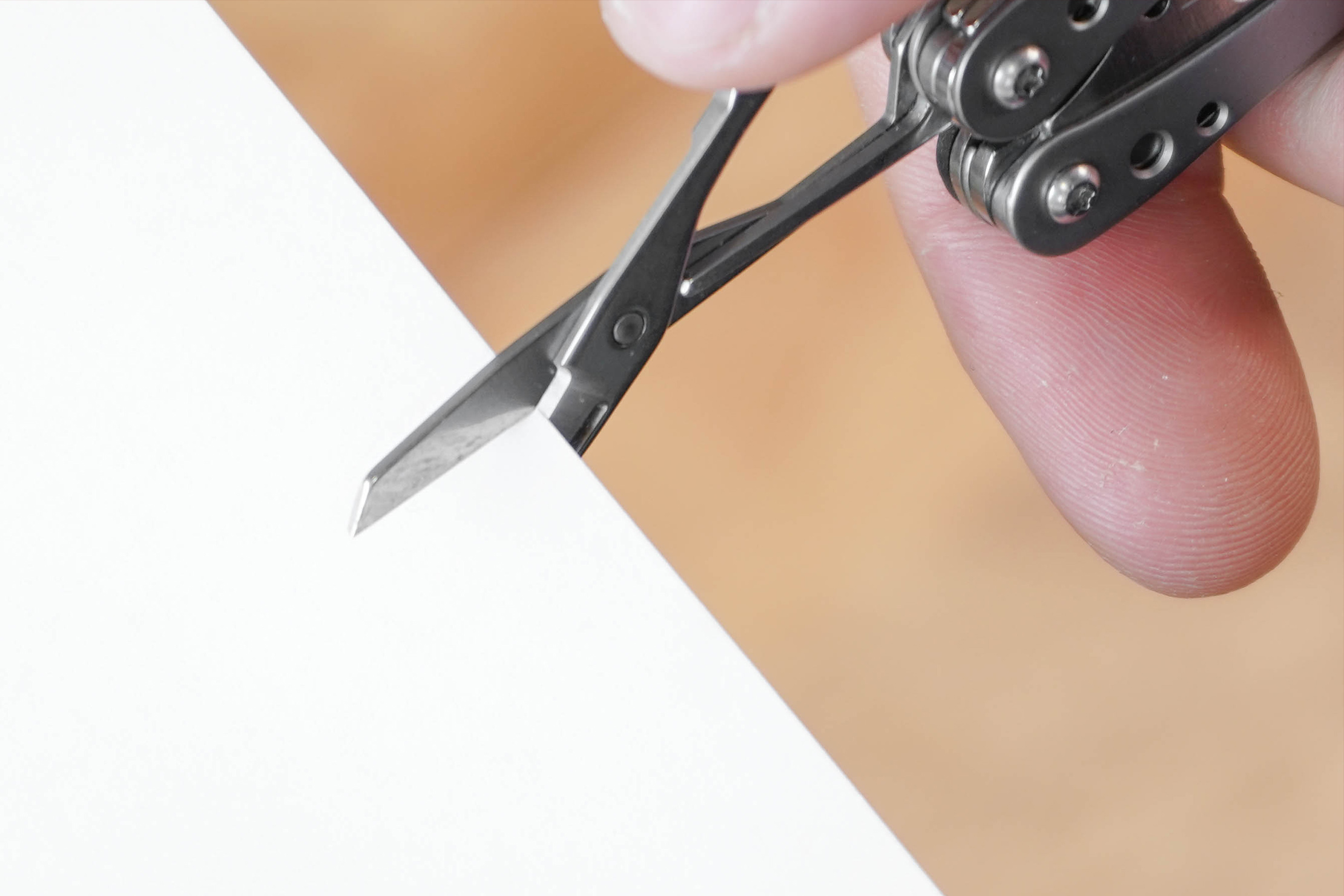 Leatherman Style PS Cutting Paper