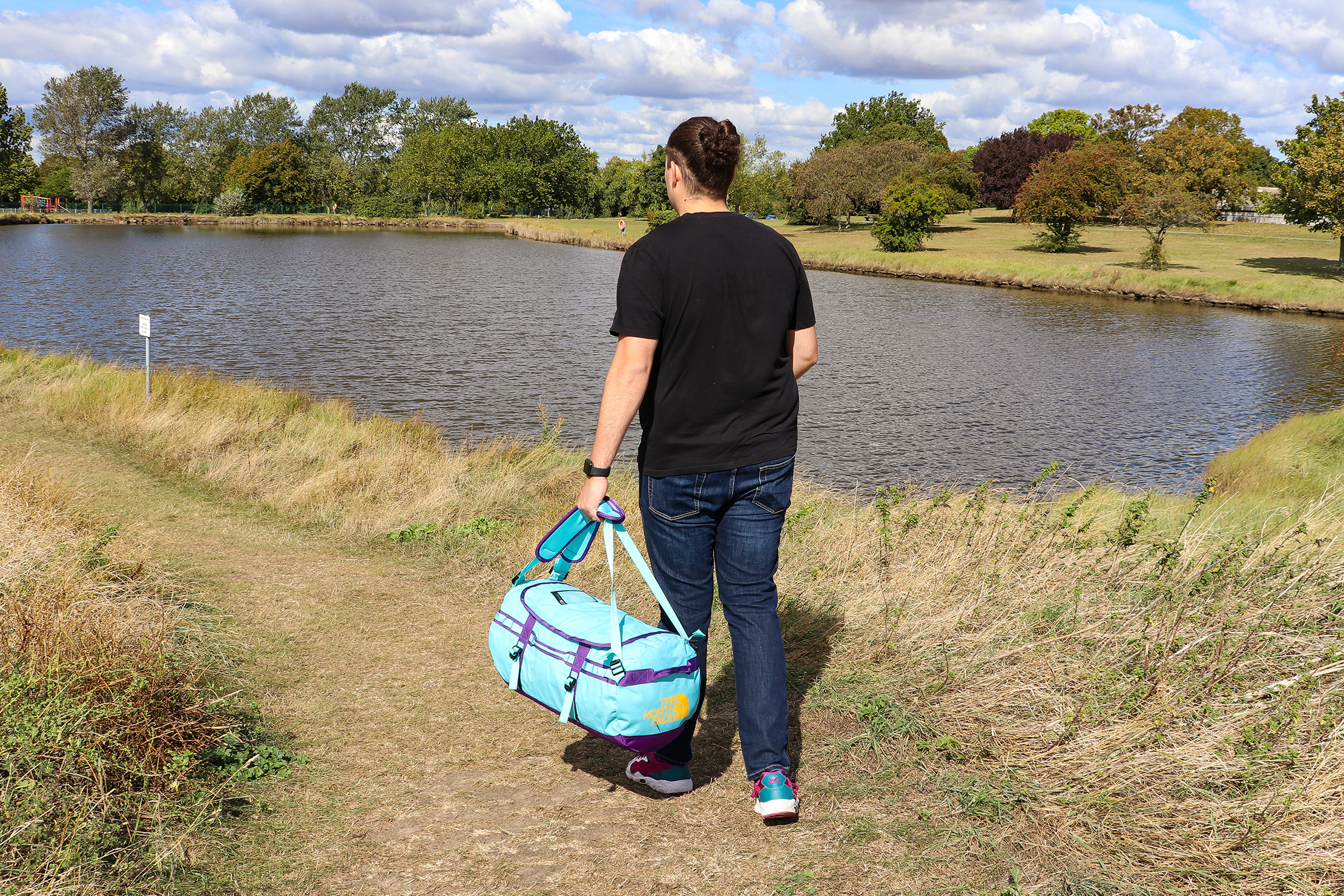 Carrying The North Face Base Camp Duffel As A Duffel In Essex England