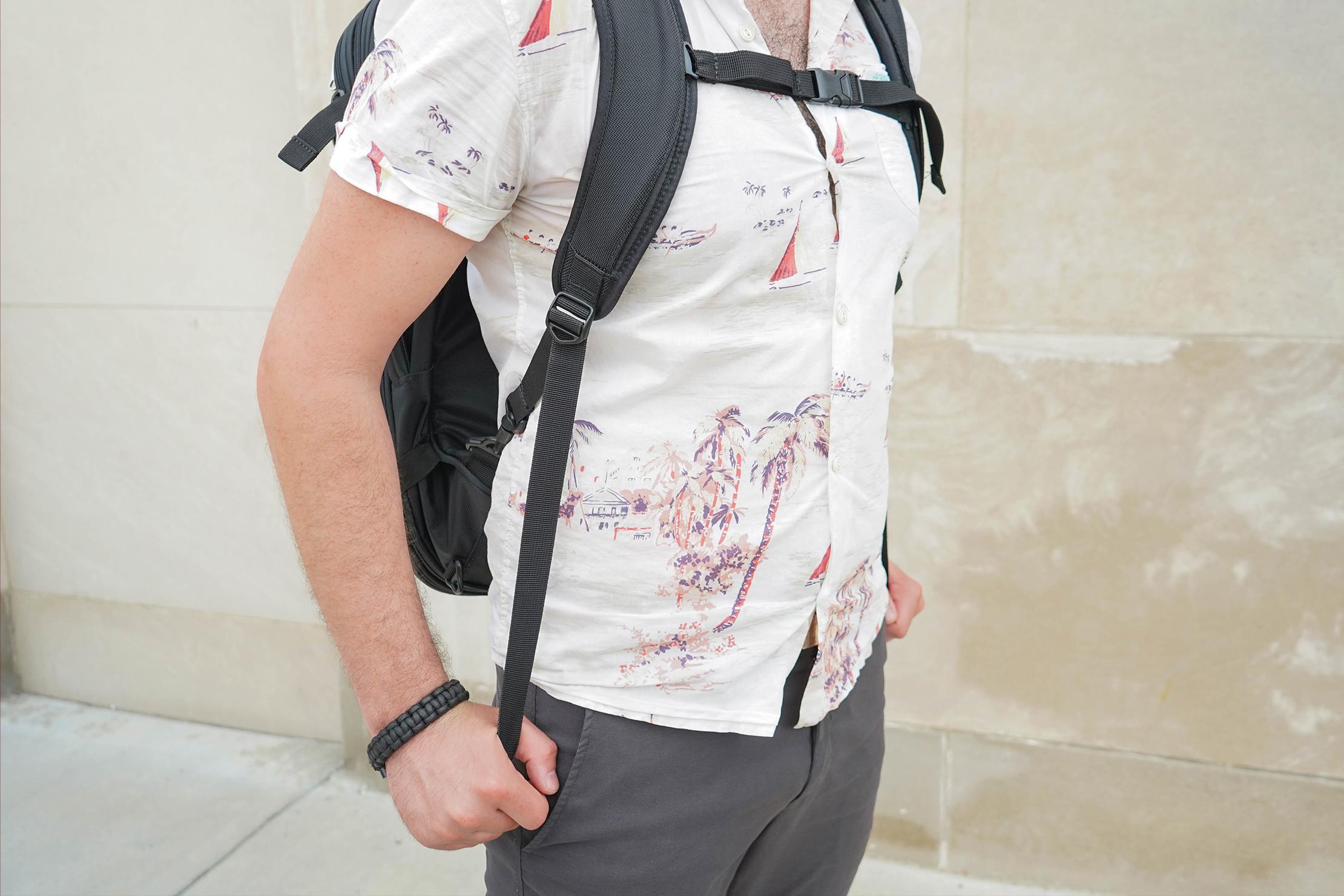 eBags TLS Mother Lode Weekender Convertible Shoulder Strap Adjustment