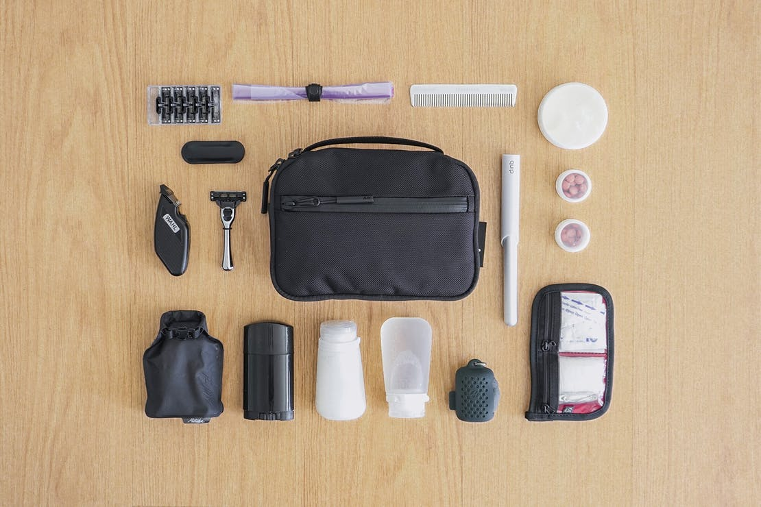 Digital Nomad Packing List Men's Focused Toiletries and Personal Care