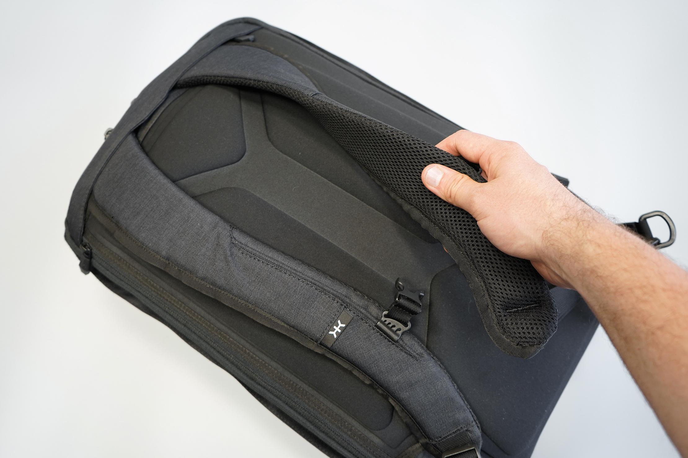 Knack Large Expandable Pack Shoulder Straps