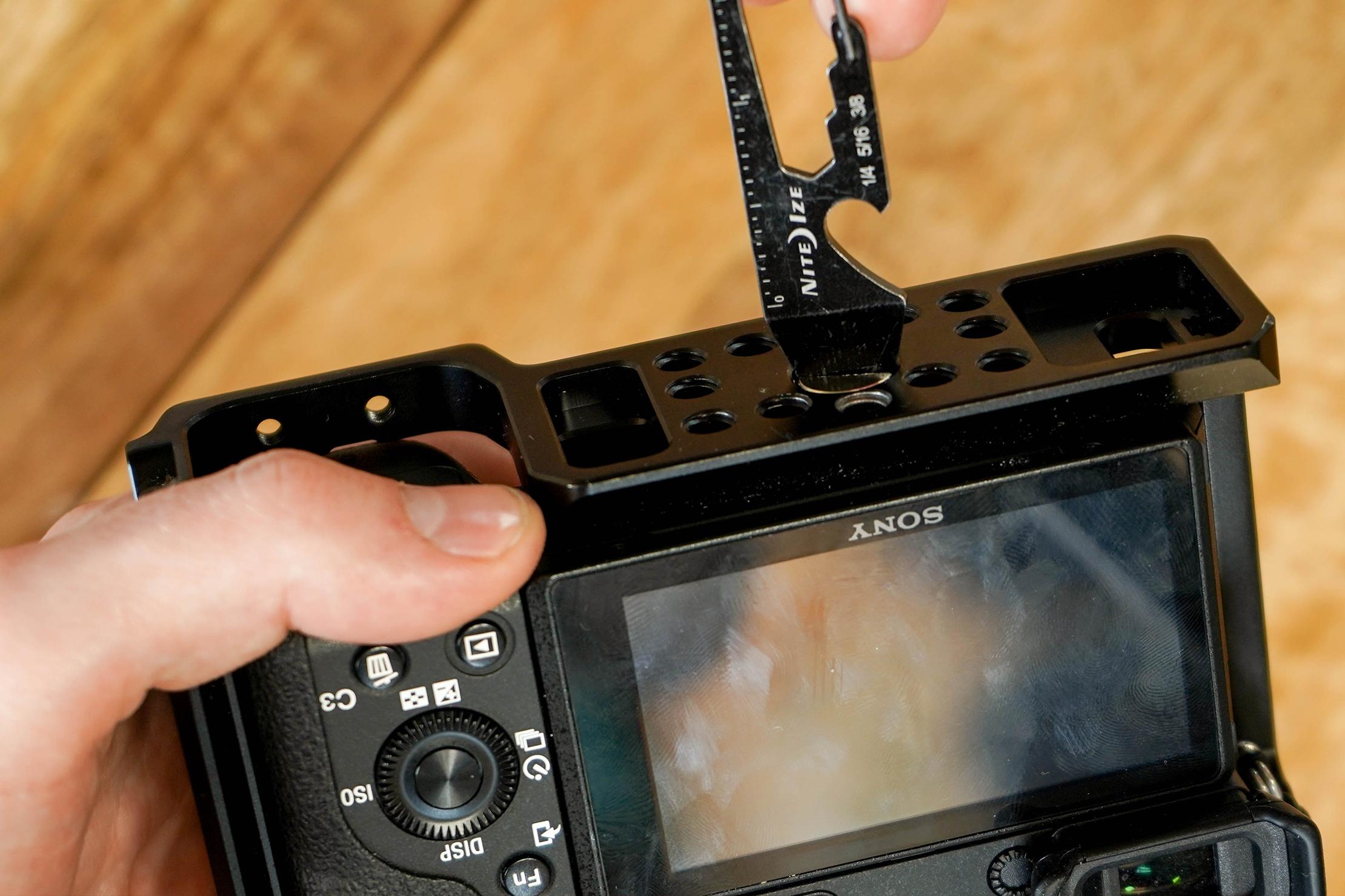 Nite Ize Doohickey Camera Screw