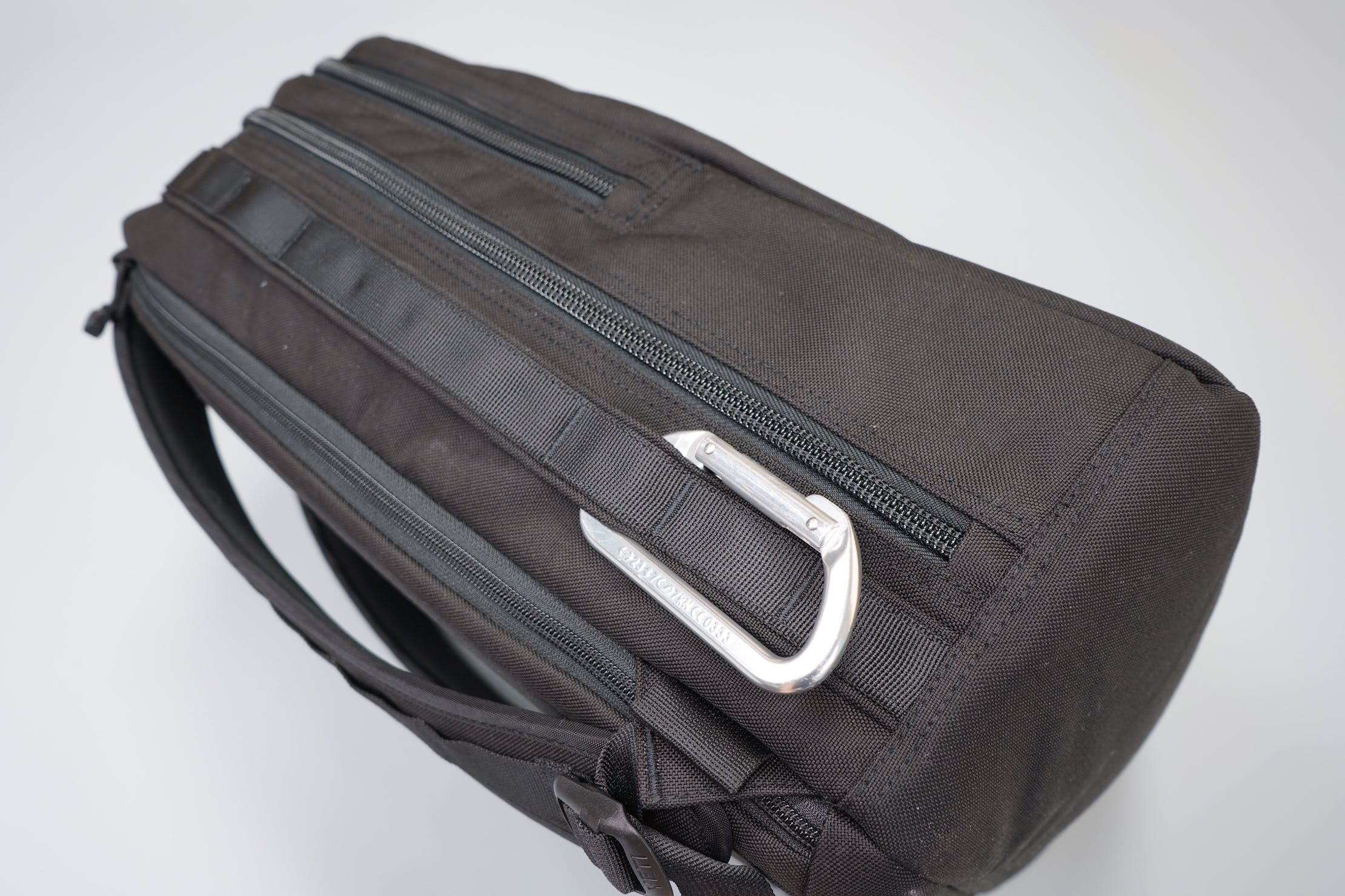 YETI Tocayo Roundhouse Grid With Carabiner