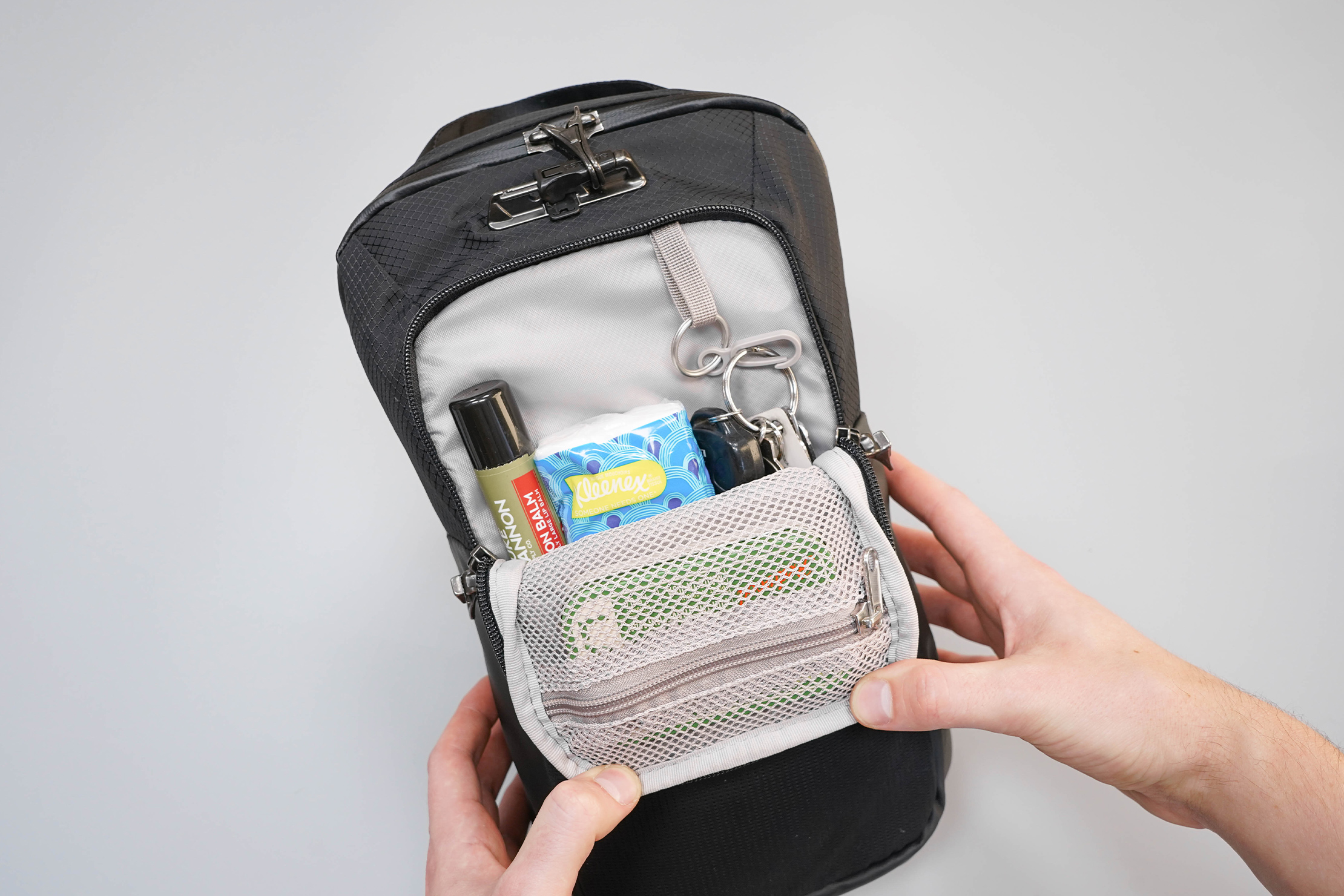Pacsafe Venturesafe X Anti-Theft Sling Pack Front Pocket Organization