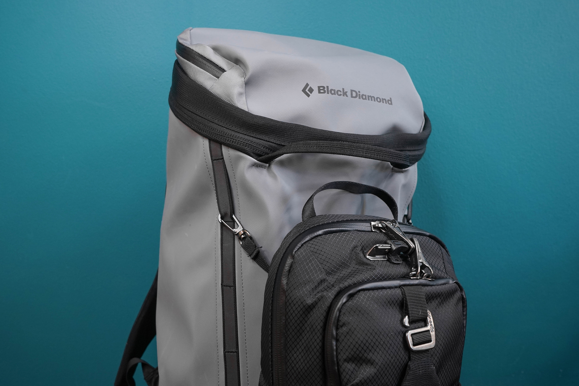 Pacsafe Venturesafe X Anti-Theft Sling Pack Attached To Bag