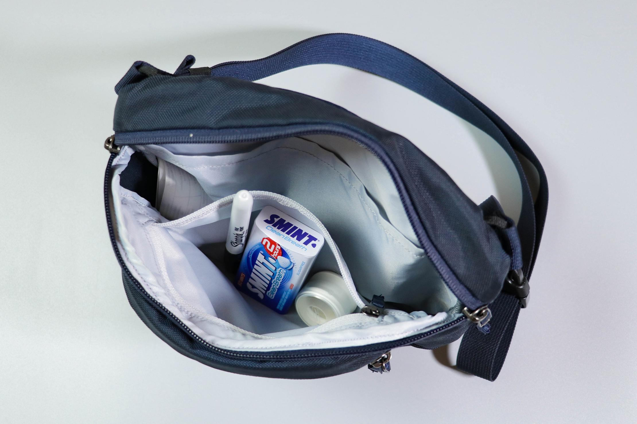Arc'Teryx Maka 2 Waistpack Inside Zipper Pocket