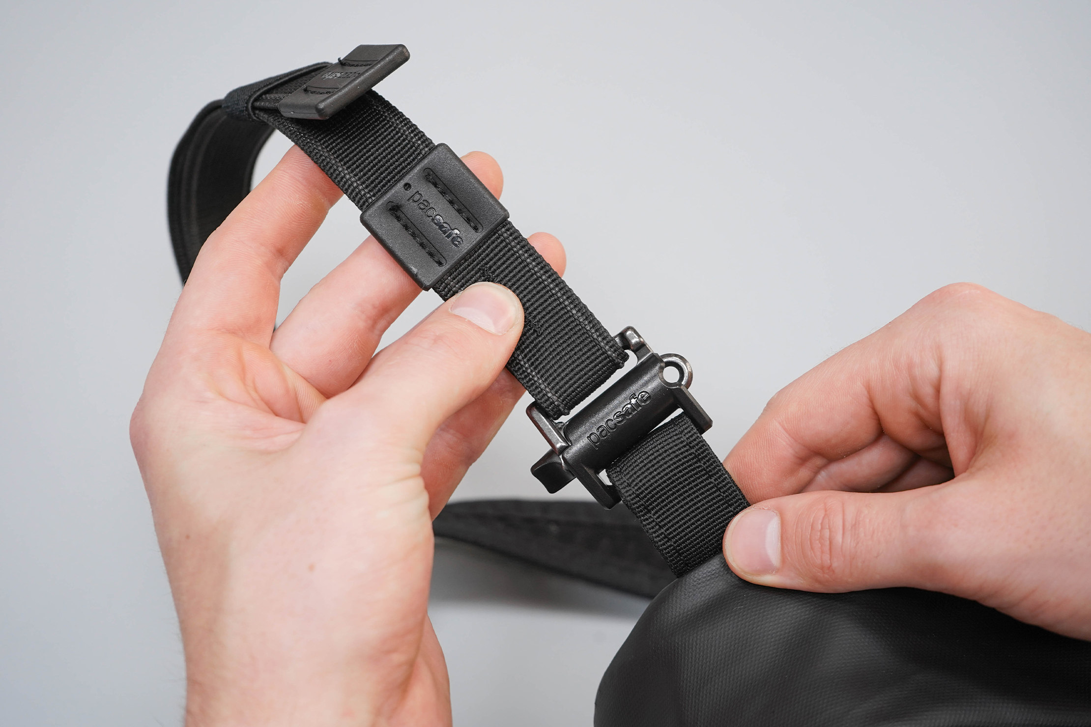 Pacsafe Venturesafe X Anti-Theft Sling Pack Strap Attachment