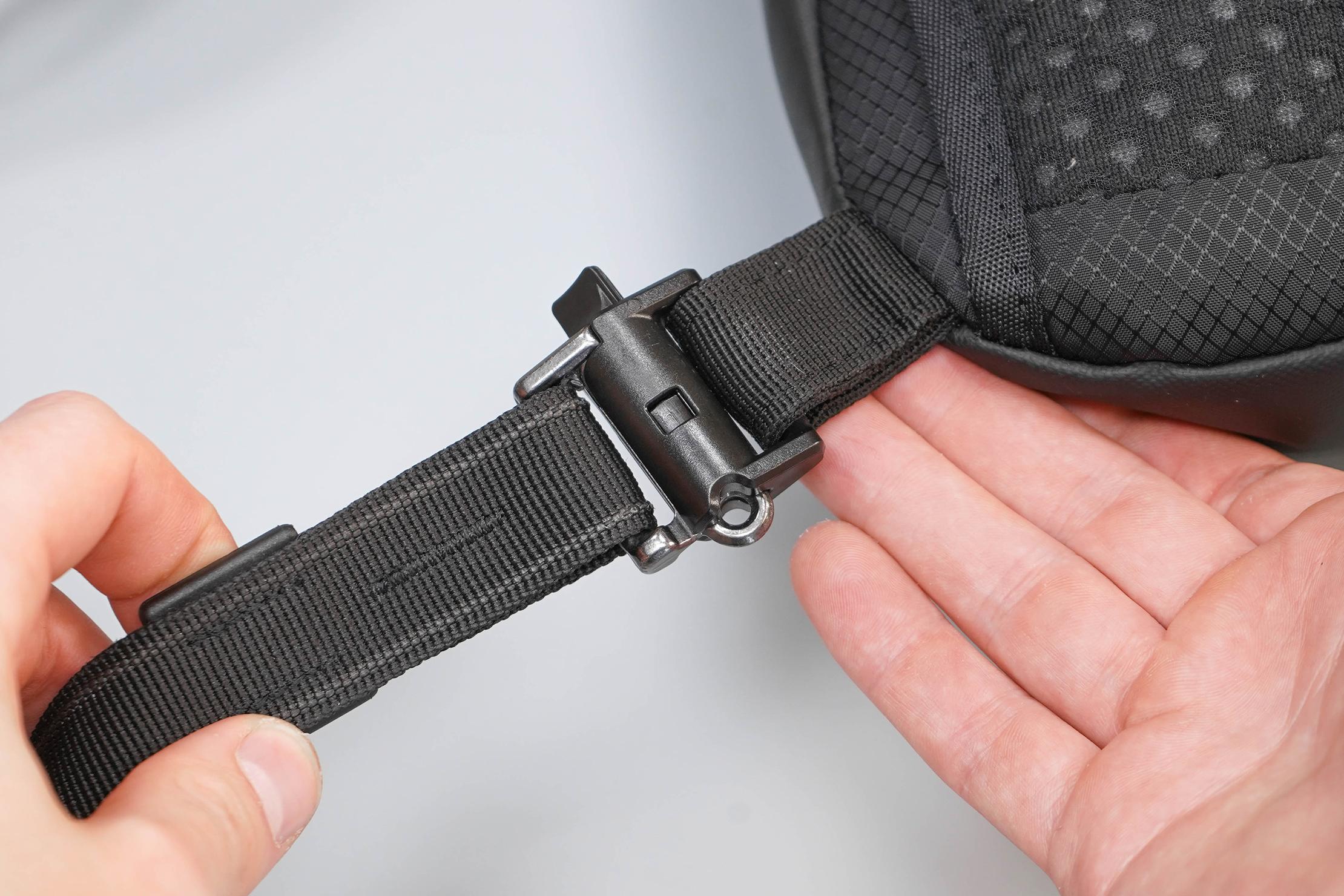 Pacsafe Venturesafe X Anti-Theft Sling Pack Attachment Back