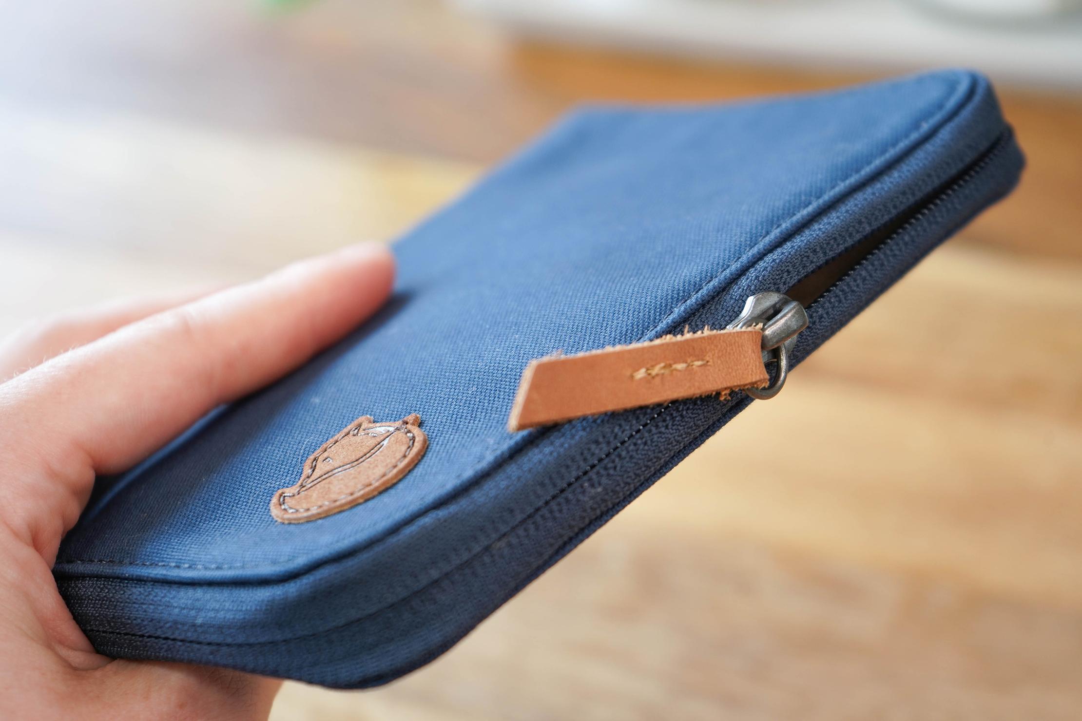 Fjallraven Passport Wallet Zipper