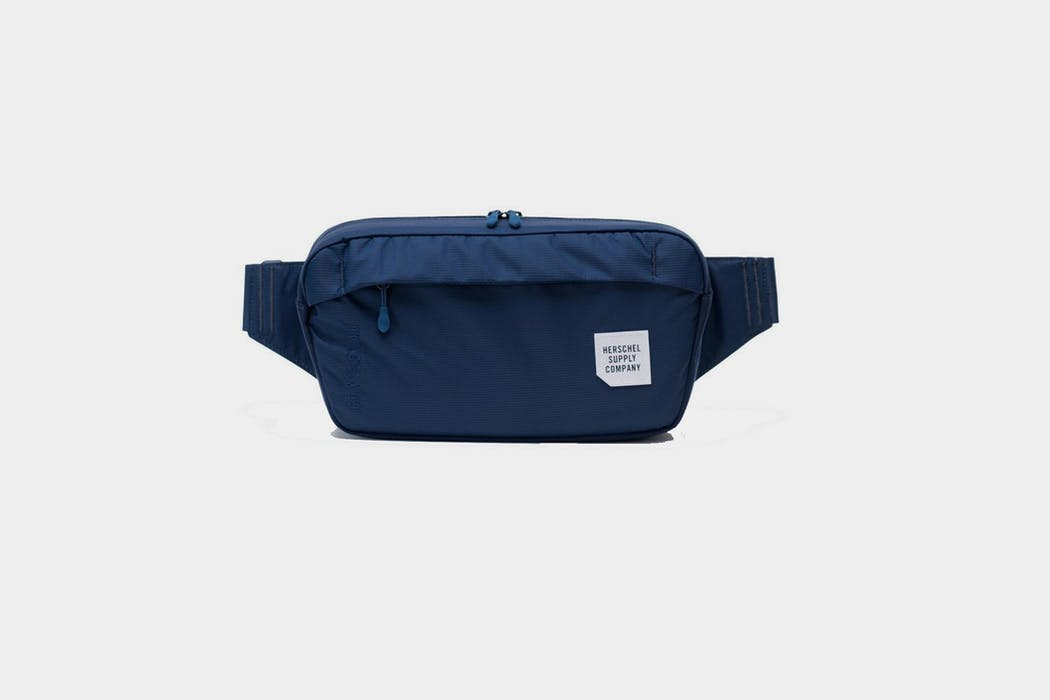Tour Hip Pack Medium Herschel Supply Co.