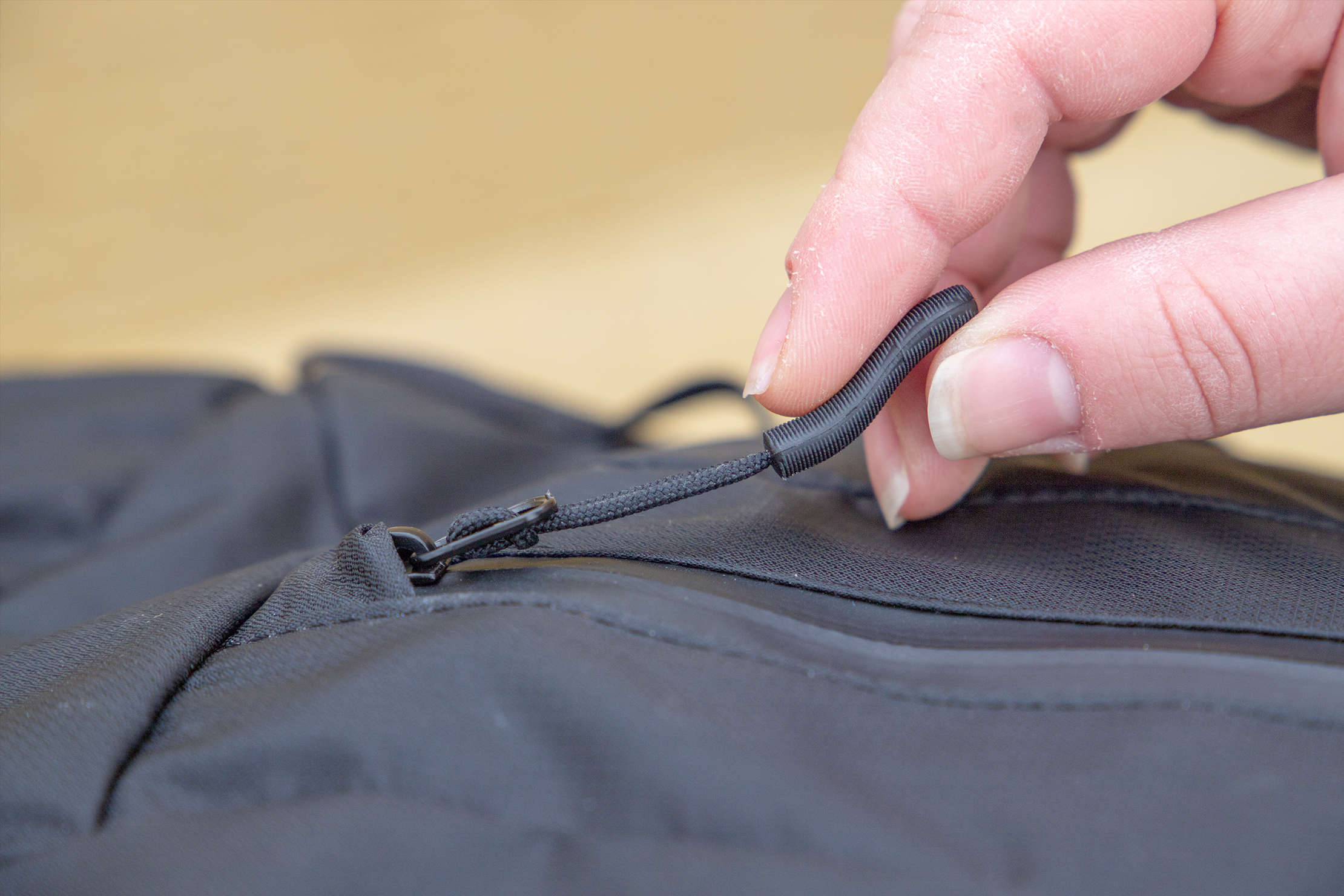 WANDRD VEER Zipper Pull