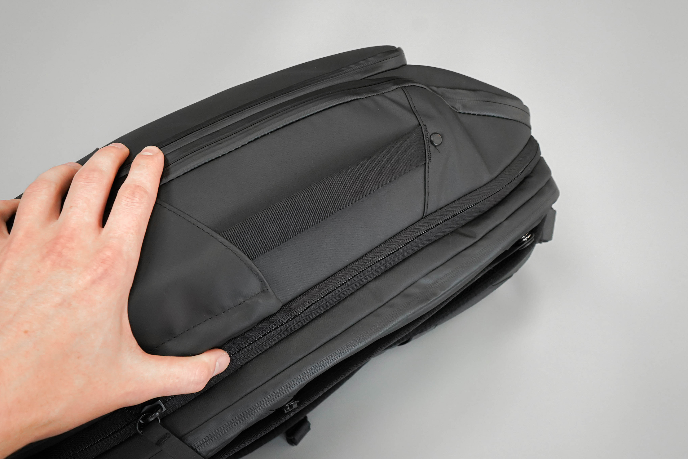 NOMATIC Travel Pack Side Handle