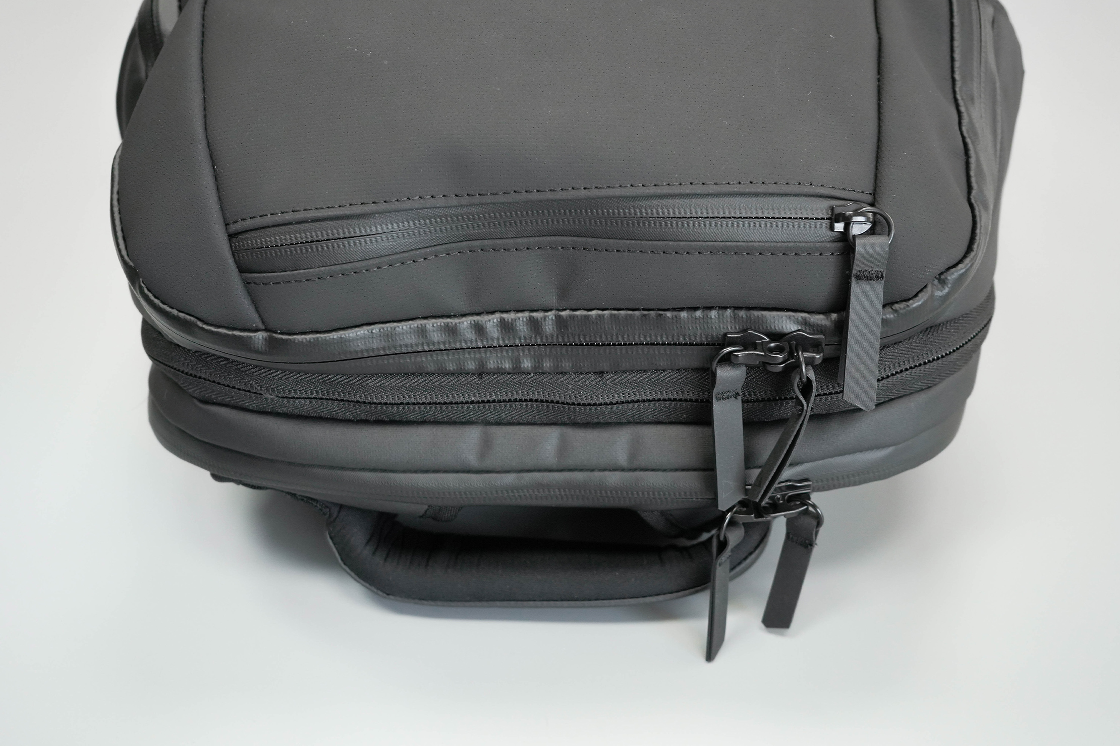 NOMATIC Travel Pack Zippers