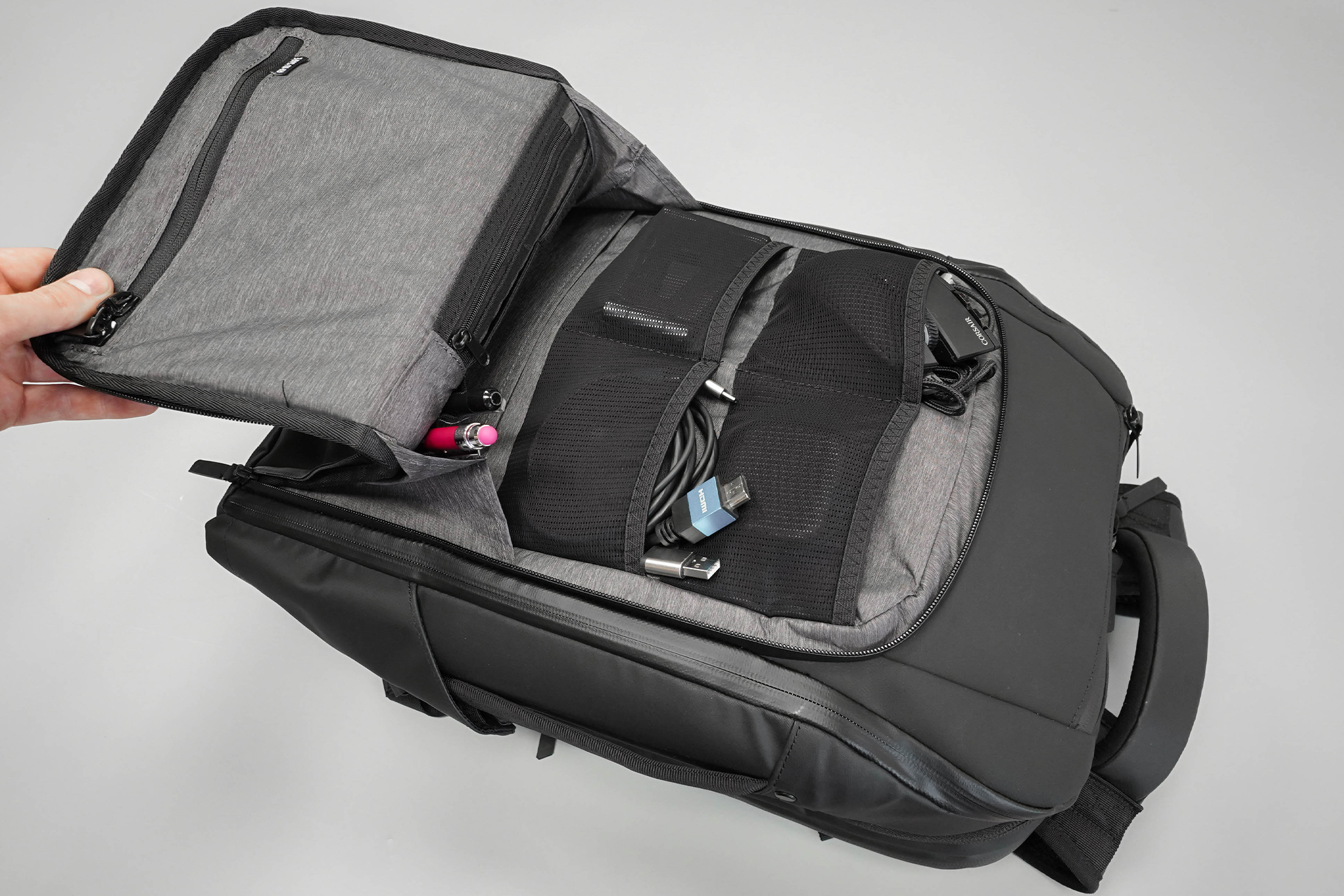 NOMATIC Travel Pack Front Pocket Organization