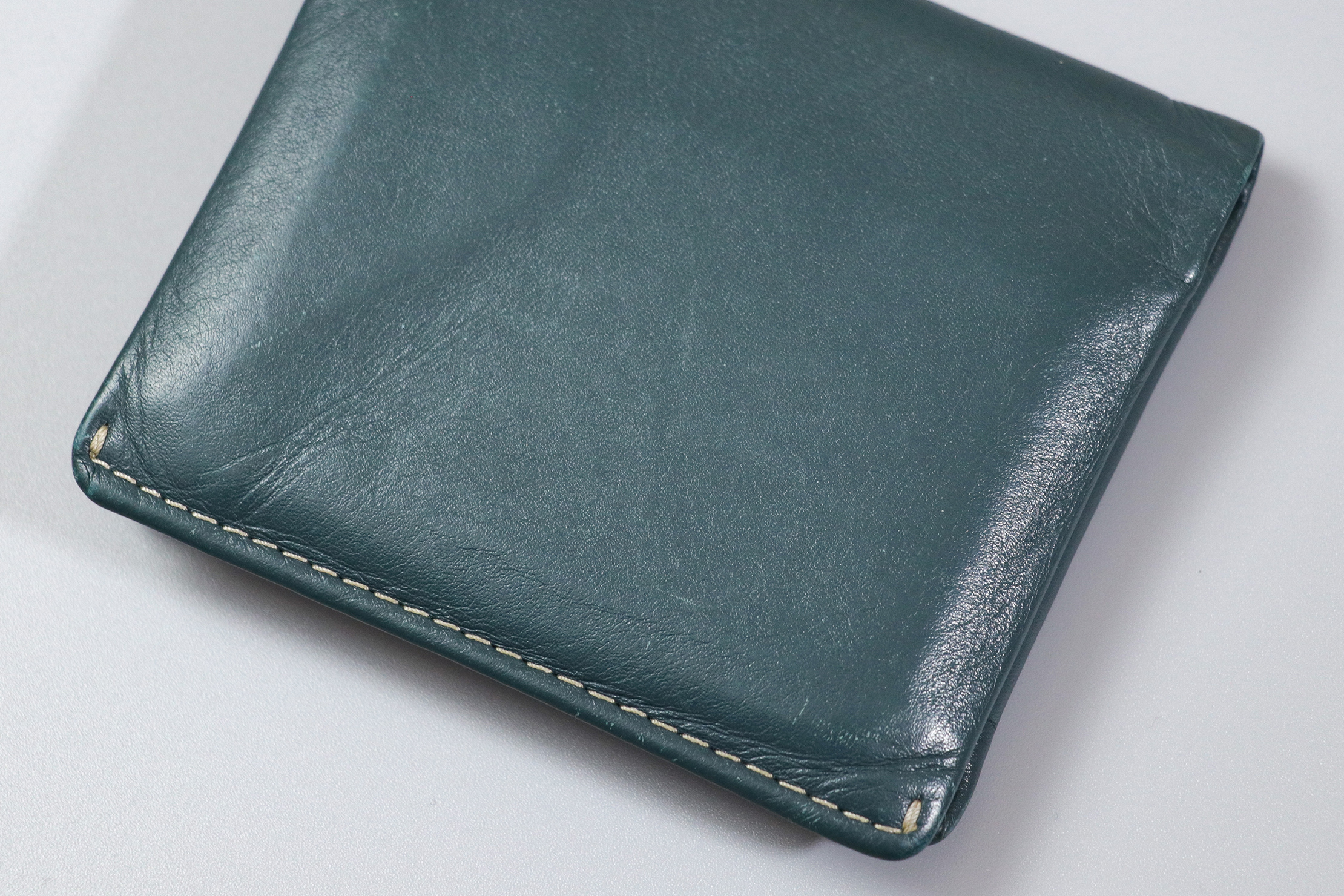 Bellroy Note Sleeve Leather Material