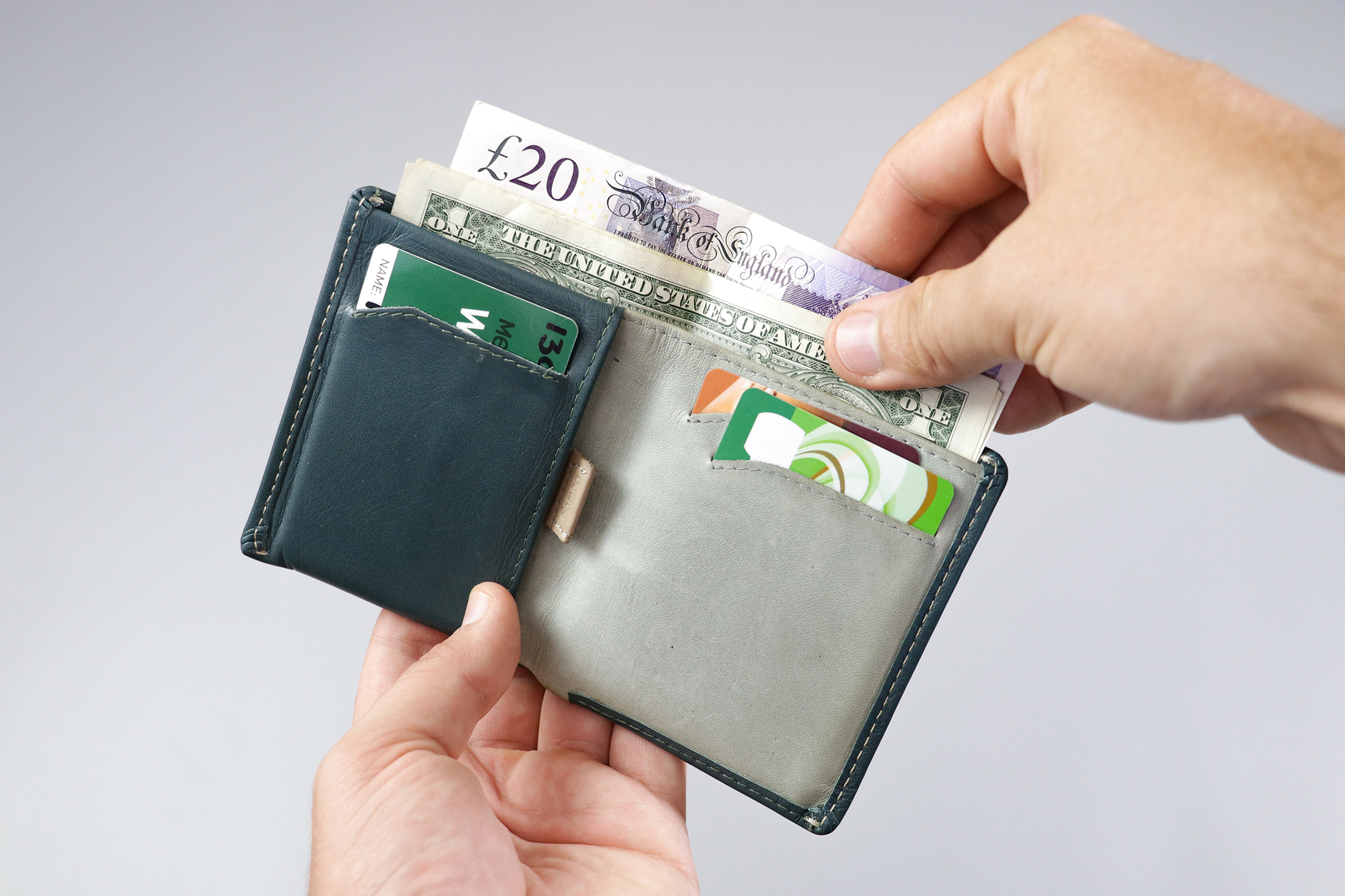 Bellroy Note Sleeve Bifold Bill Sleeve With Dollars And Pounds