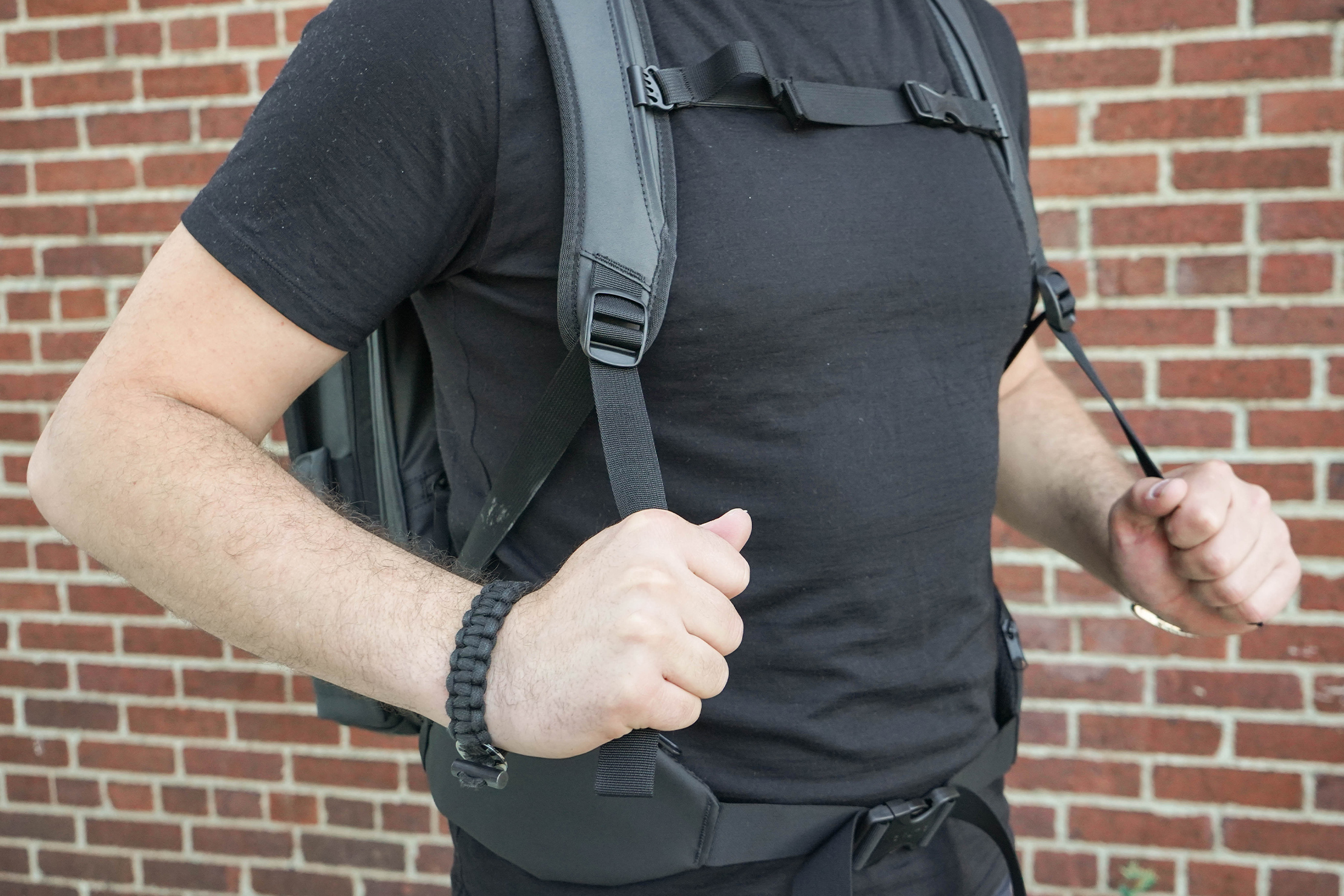 NOMATIC Travel Pack Shoulder Straps Adjustment