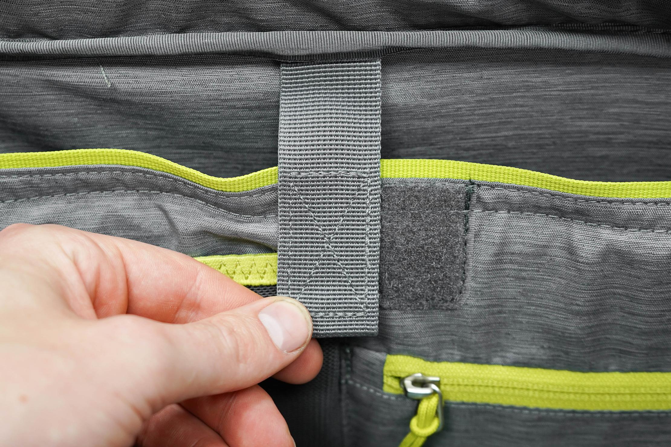 Deuter AViANT Carry On Pro 36 Misaligned Velcro Strap