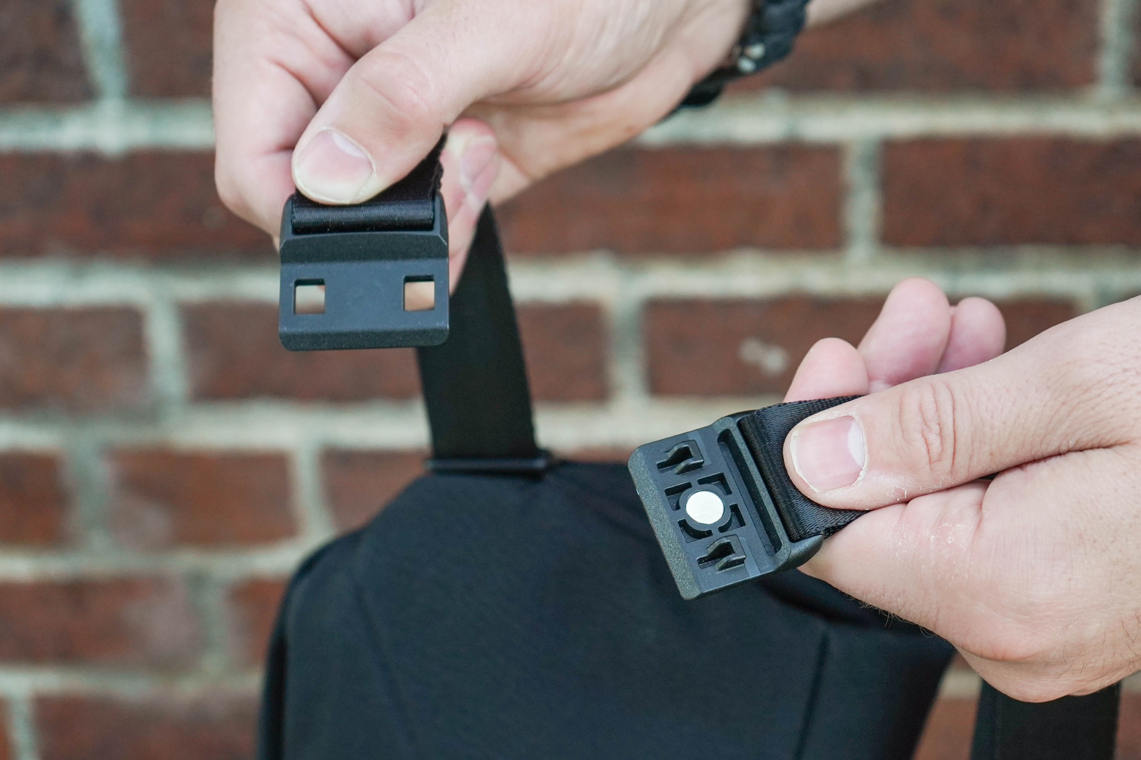 Bellroy Sling Magnetic Clasp