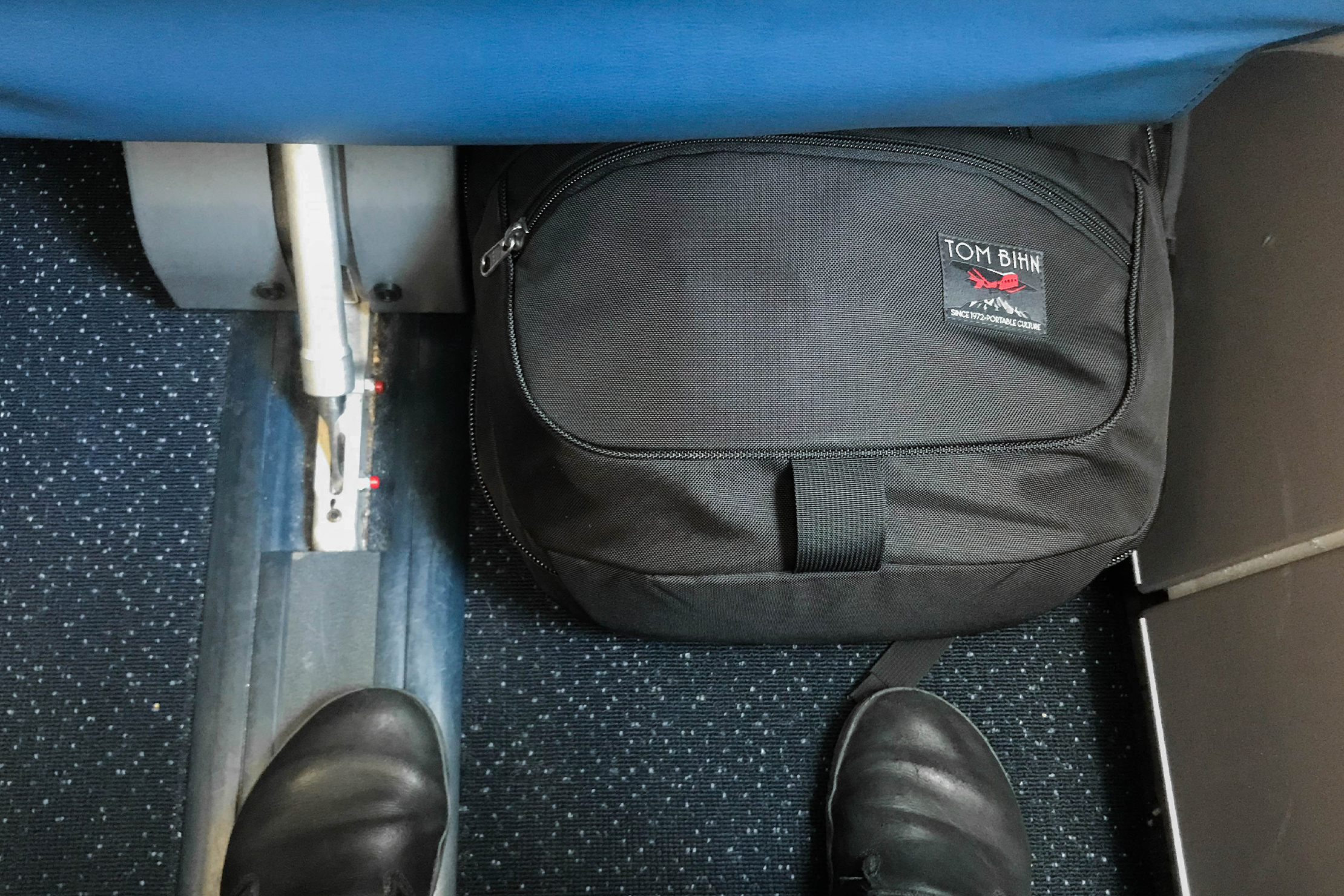 Tom Bihn Synik 30 Under An Airplane Seat