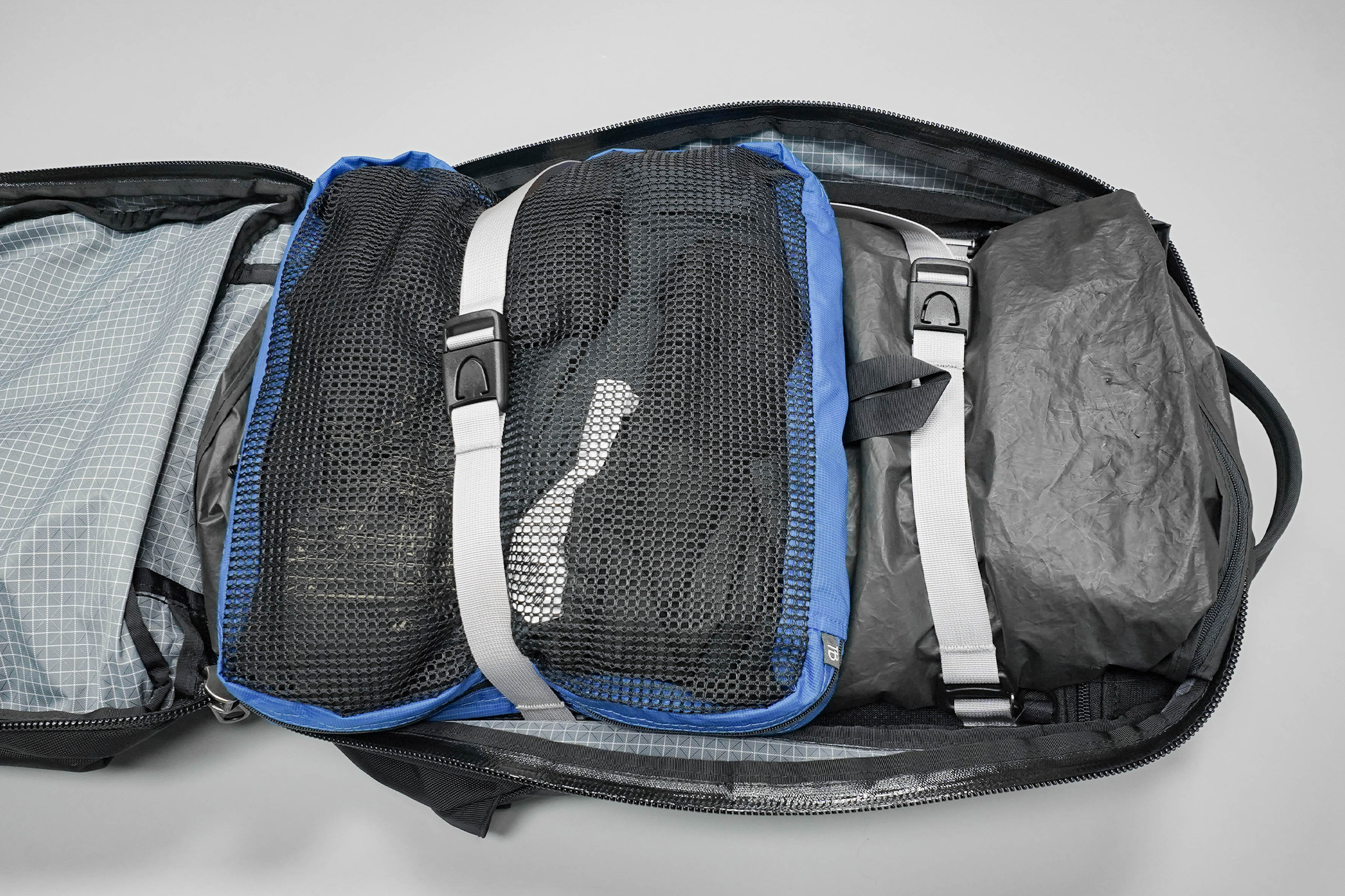 Tom Bihn Synik 30 Packed Main Compartment