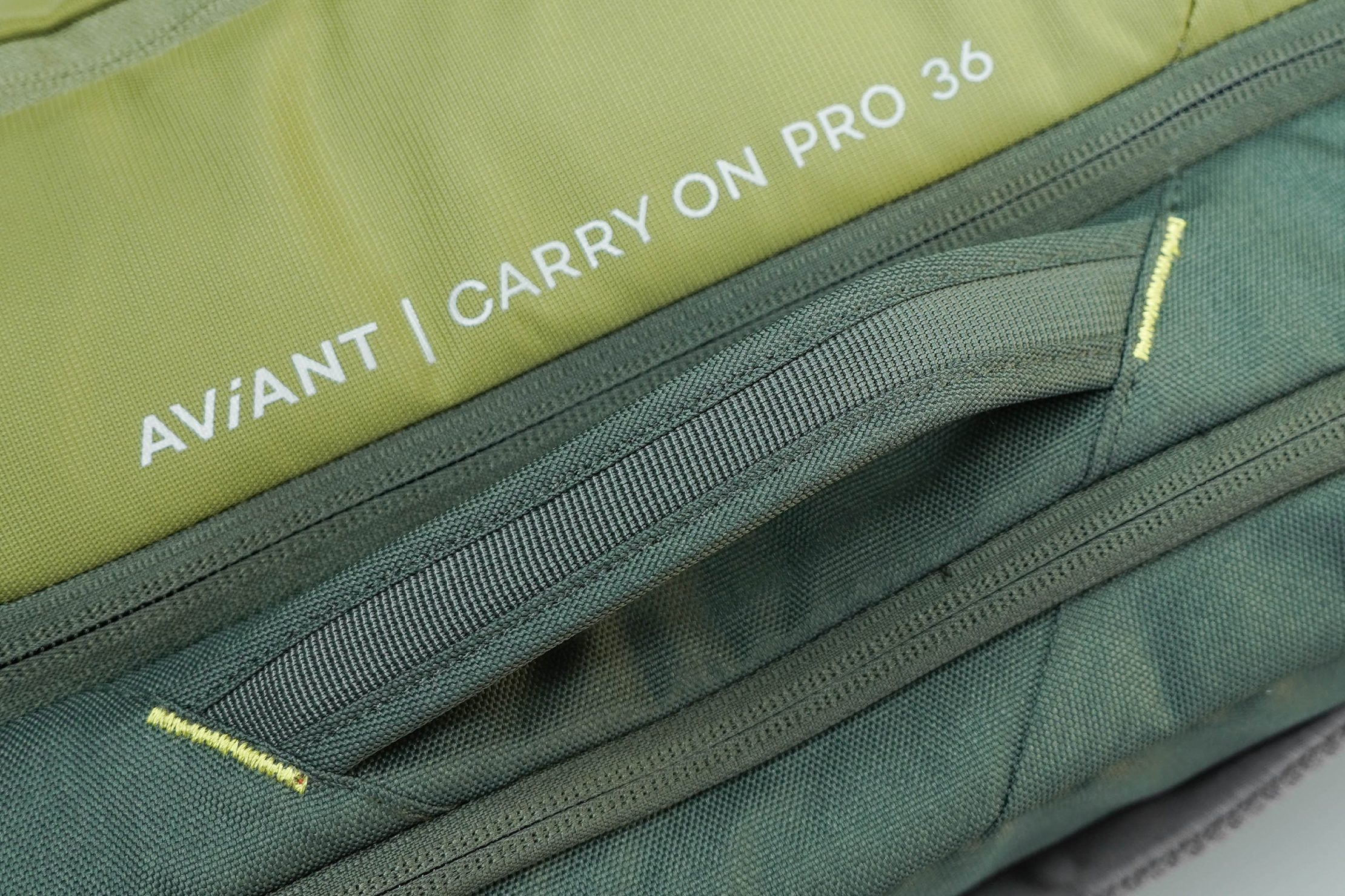Deuter AViANT Carry On Pro 36 Side Handle