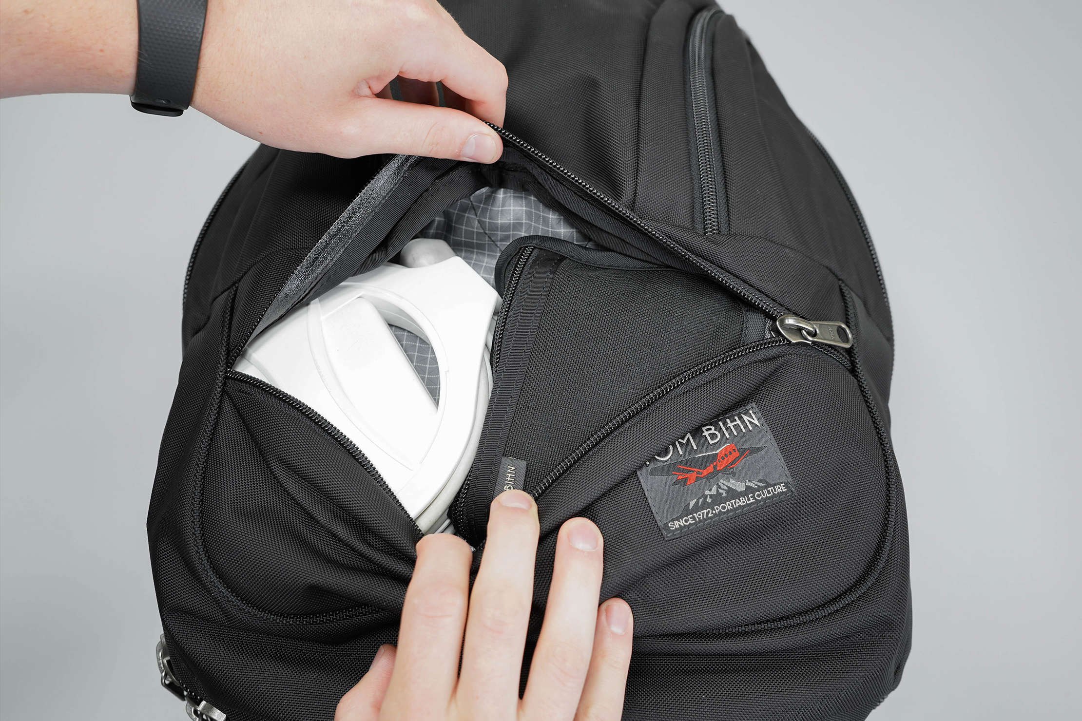 Tom Bihn Synik 30 Bottom Pocket