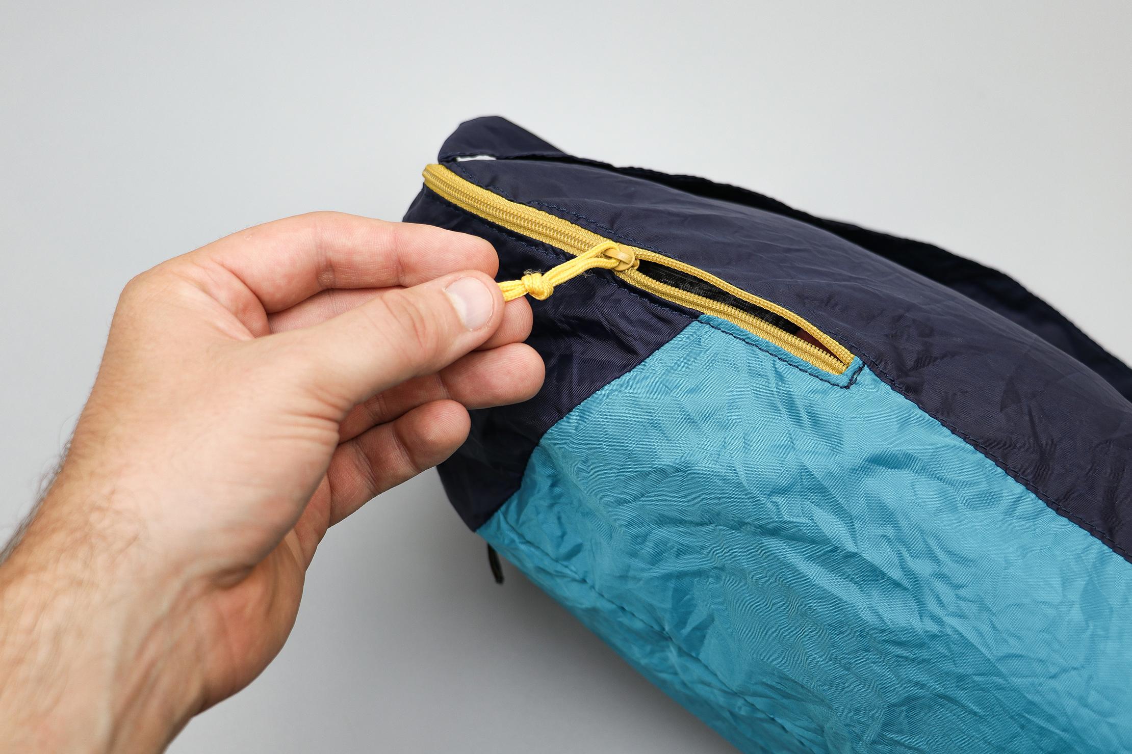 Quechua Ultra-Compact Packable Daypack Zipper Pull