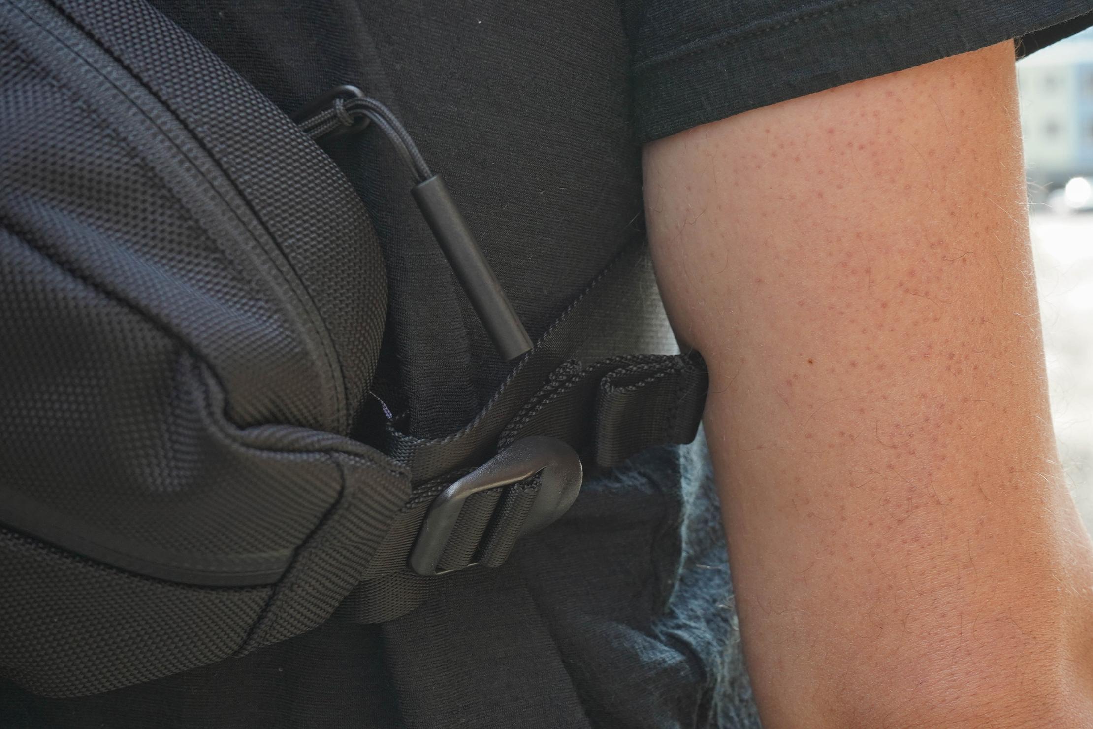 Aer City Sling Compression Strap Arm Rub
