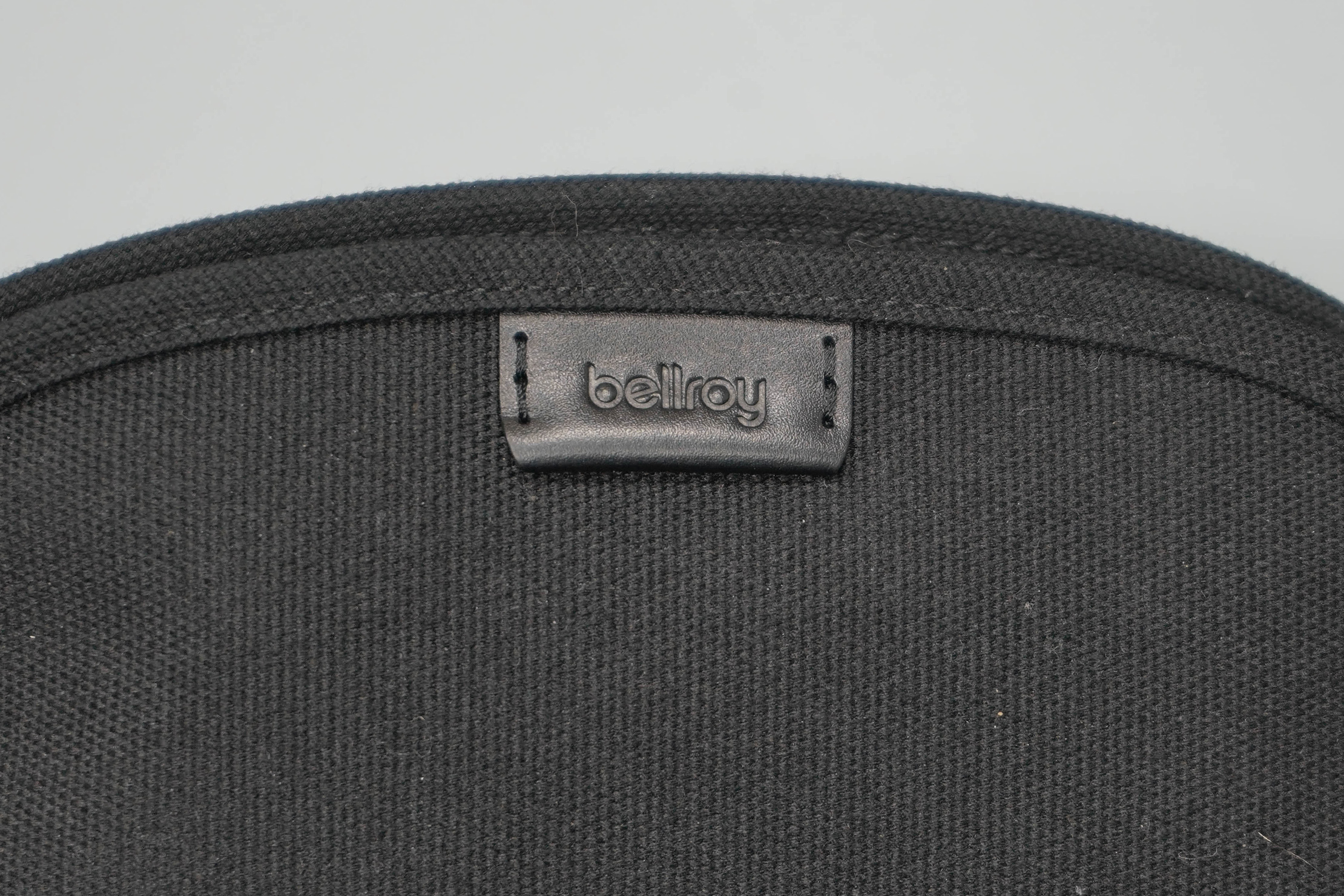 Bellroy Classic Pouch Logo