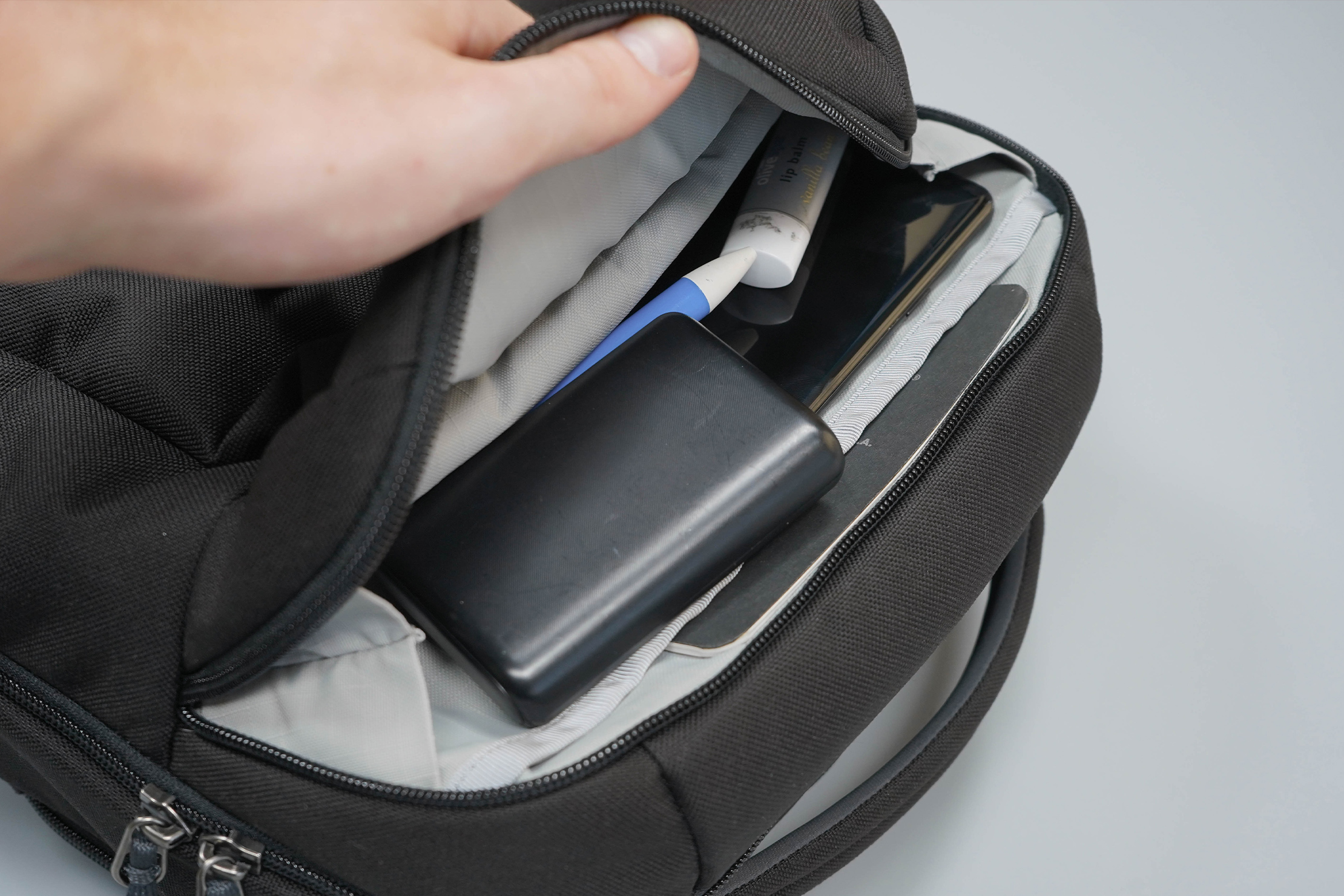 YETI Crossroads Backpack 23 Quick-Grab Pocket Full