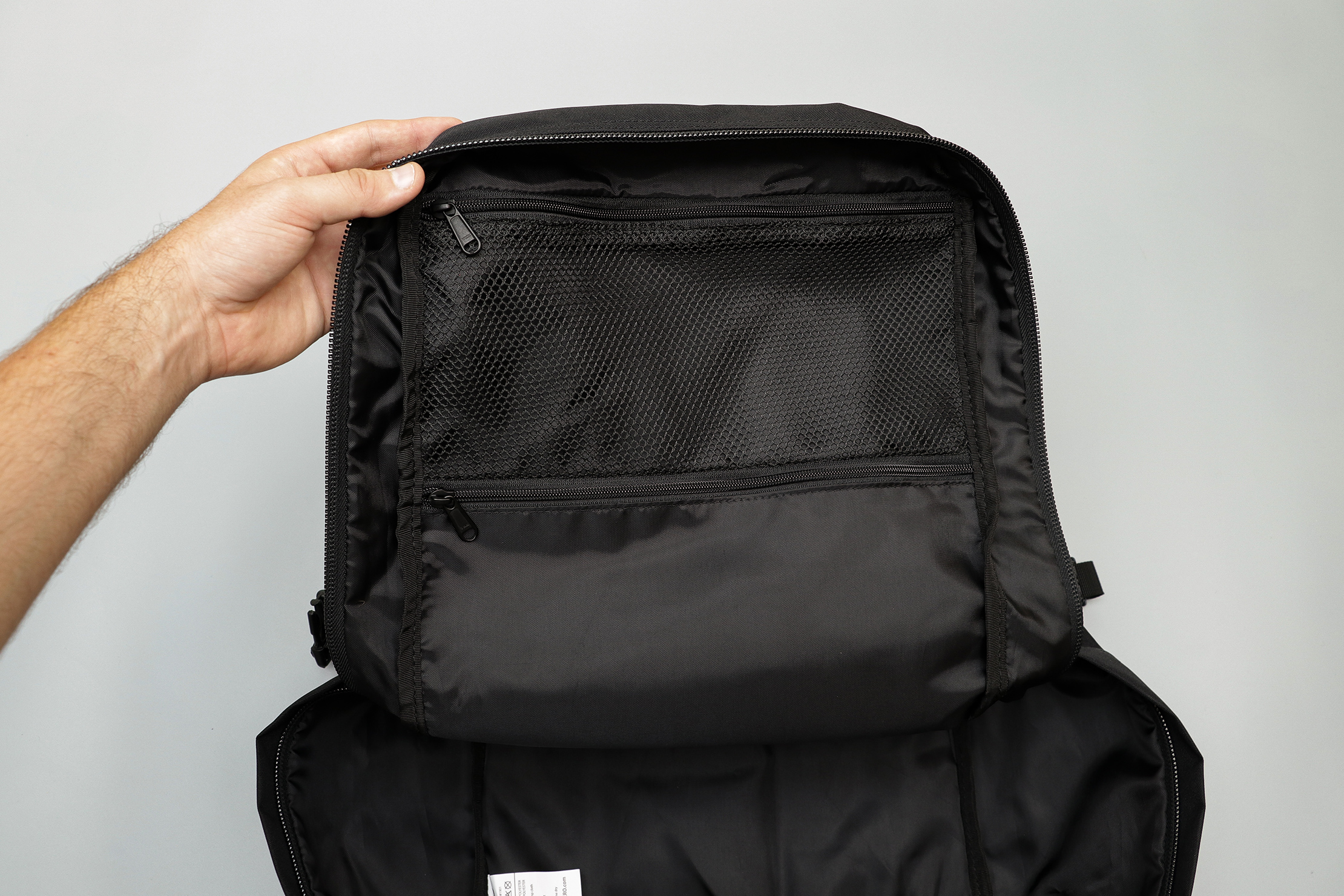 CabinZero Classic Travel Backpack Internal Pockets