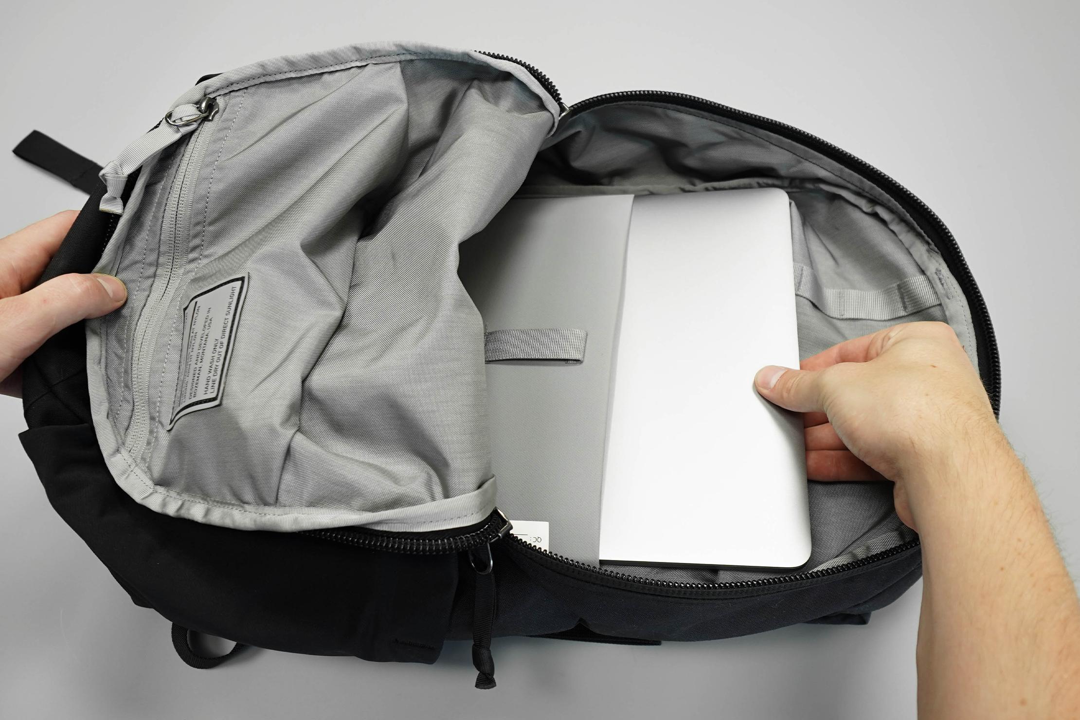 EVERGOODS Civic Half Zip 22 With Laptop In Laptop Sleeve