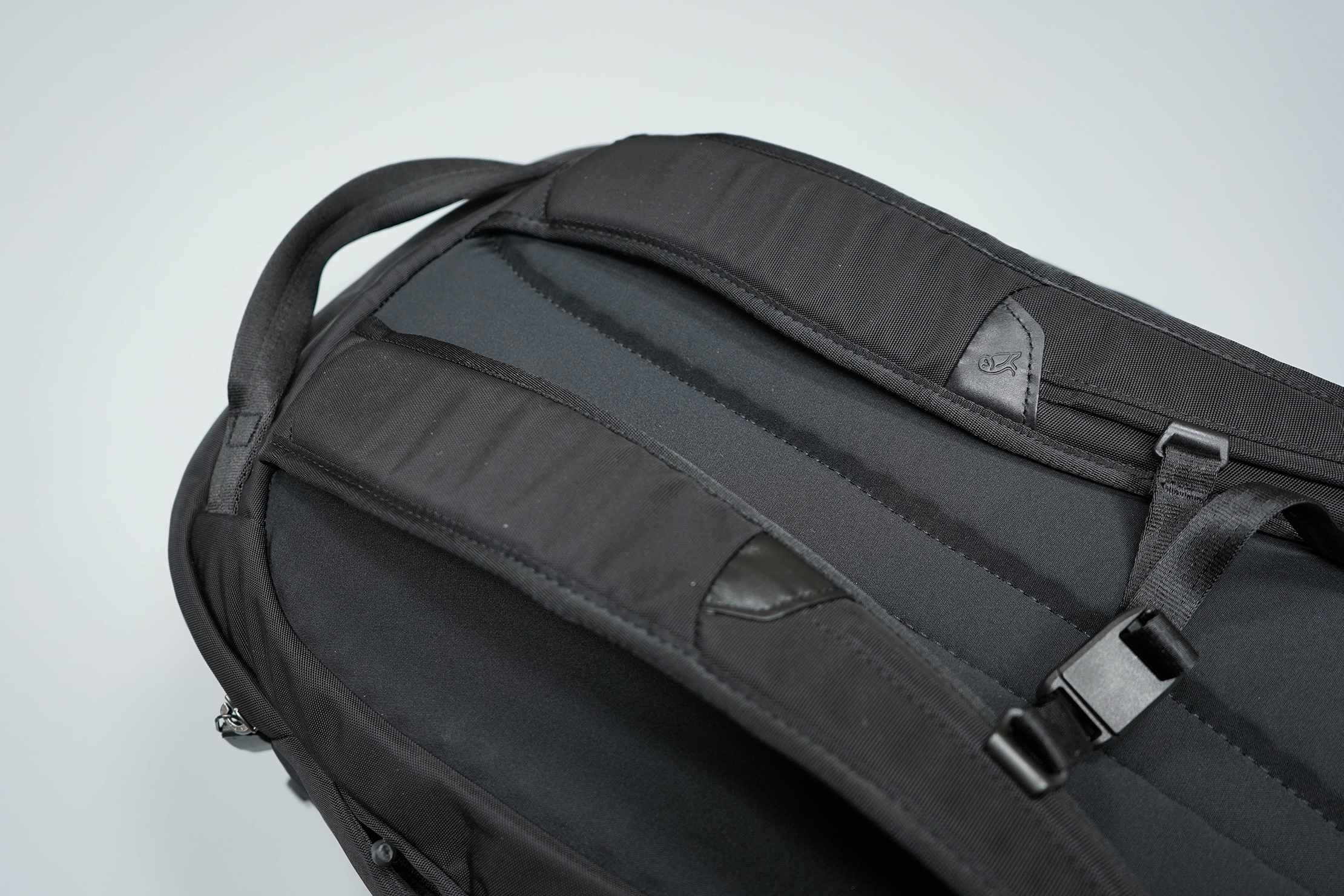 Bellroy Transit Backpack Shoulder Straps