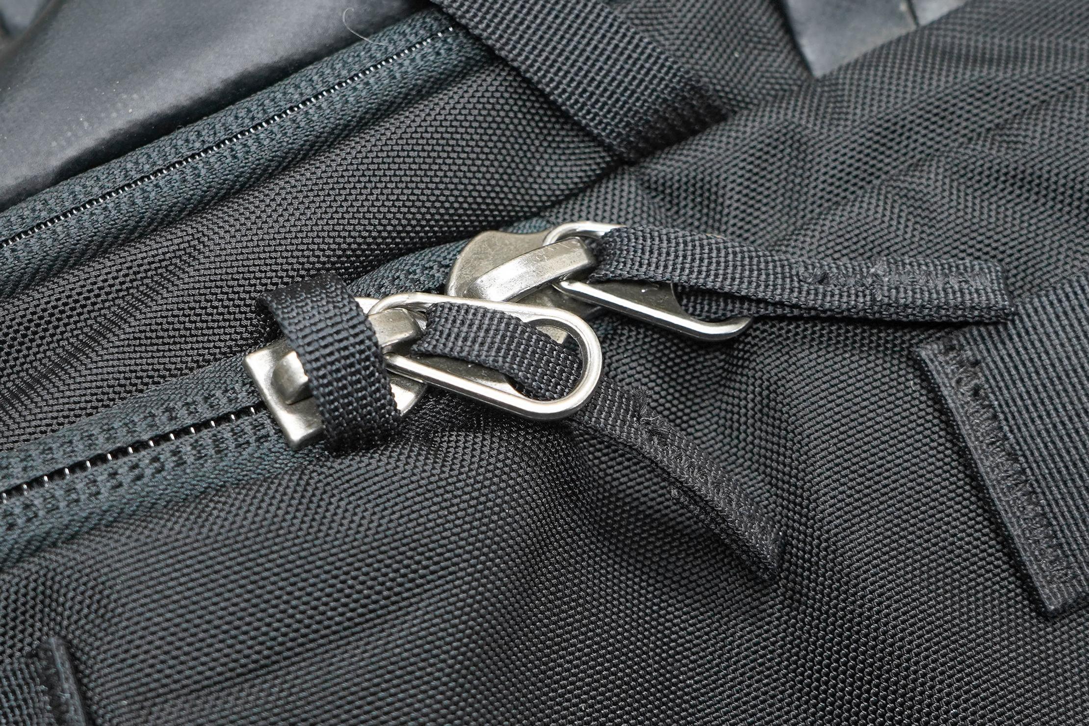 Cotopaxi Allpa 42L Locking Zippers