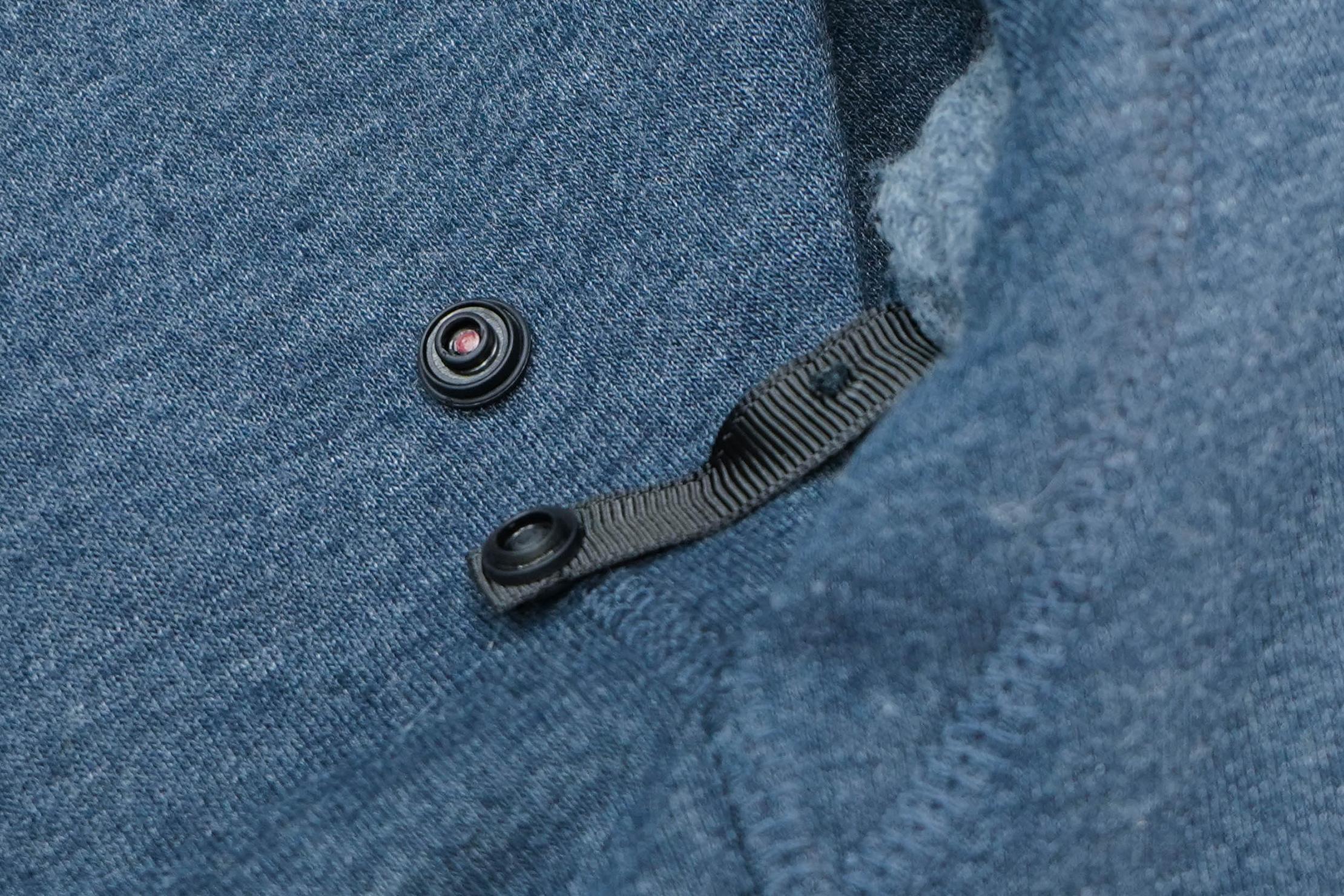 BauBax Sweatshirt 2.0 Broken Clasp