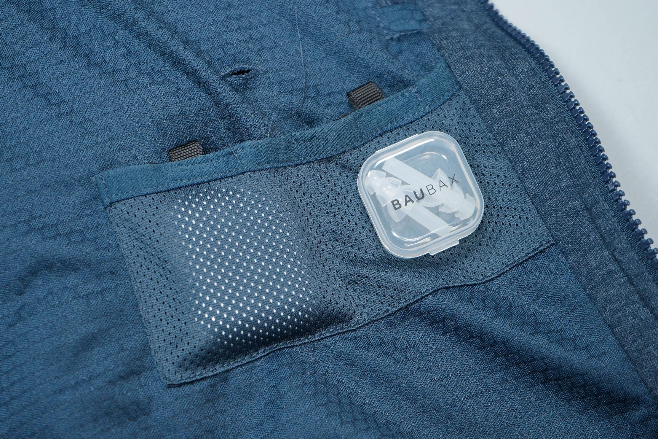 BauBax Sweatshirt 2.0 Earplugs And AirPods