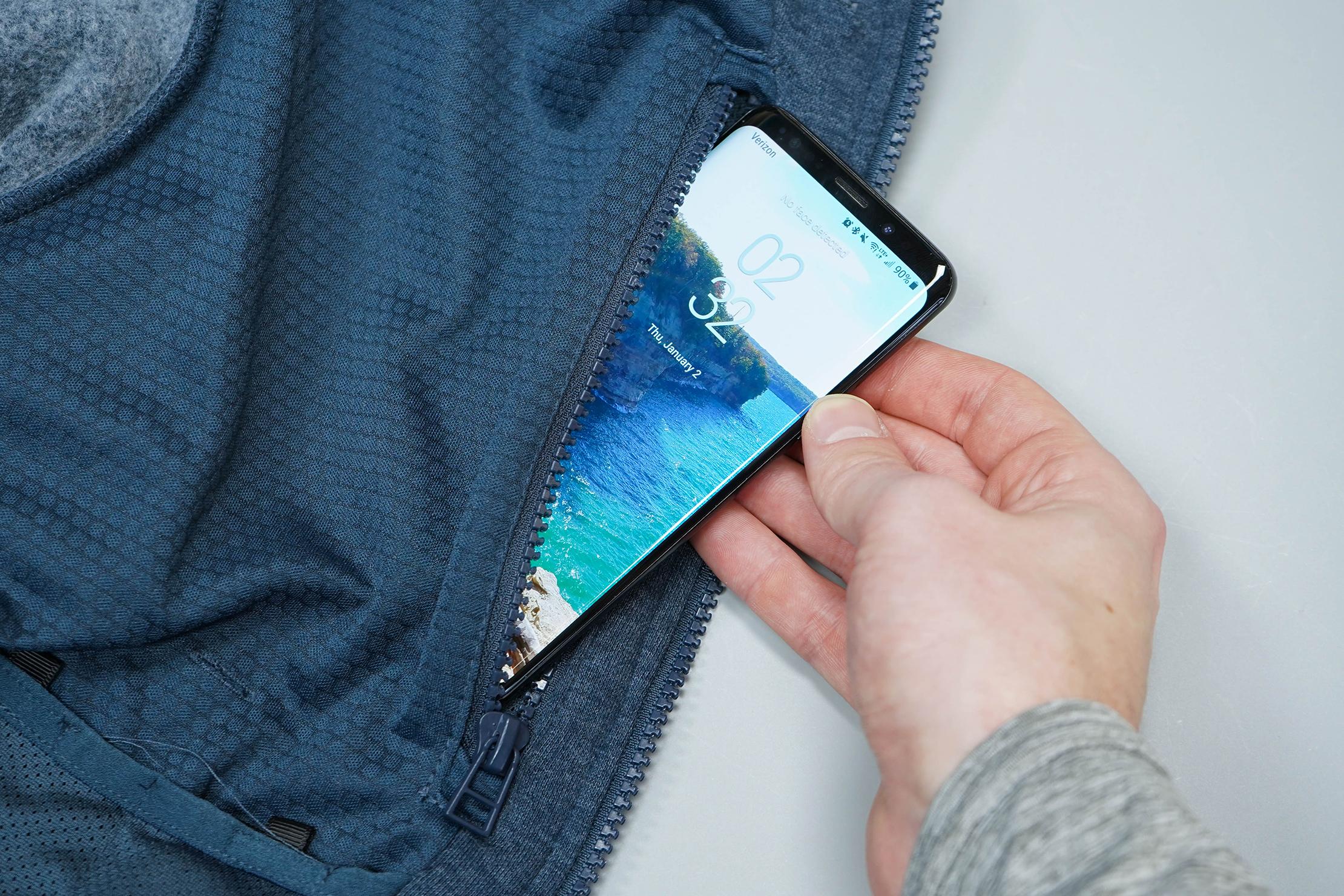 BauBax Sweatshirt 2.0 Phone Pocket