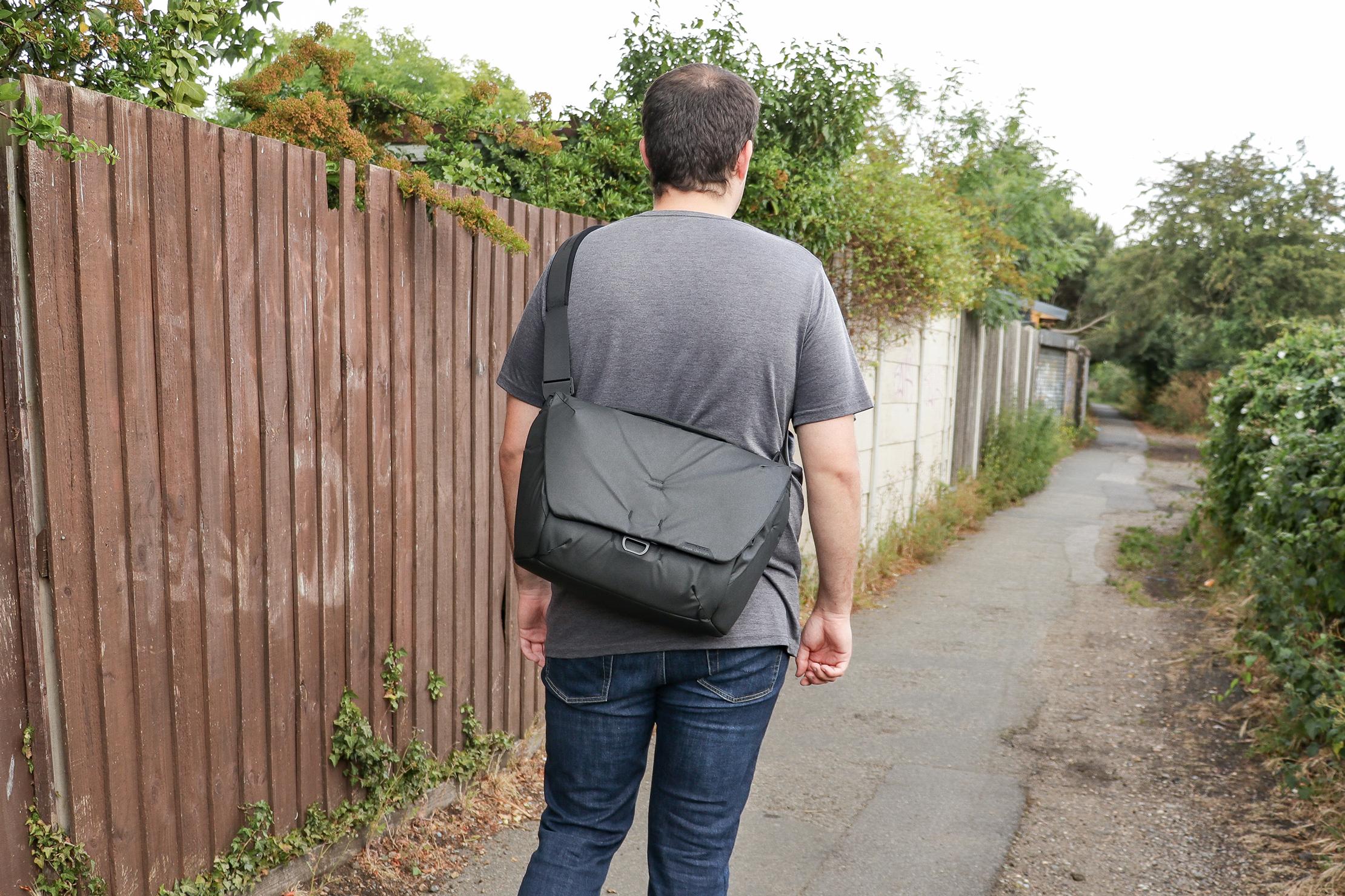 Peak Design Everyday Messenger 13L V2 In Essex England