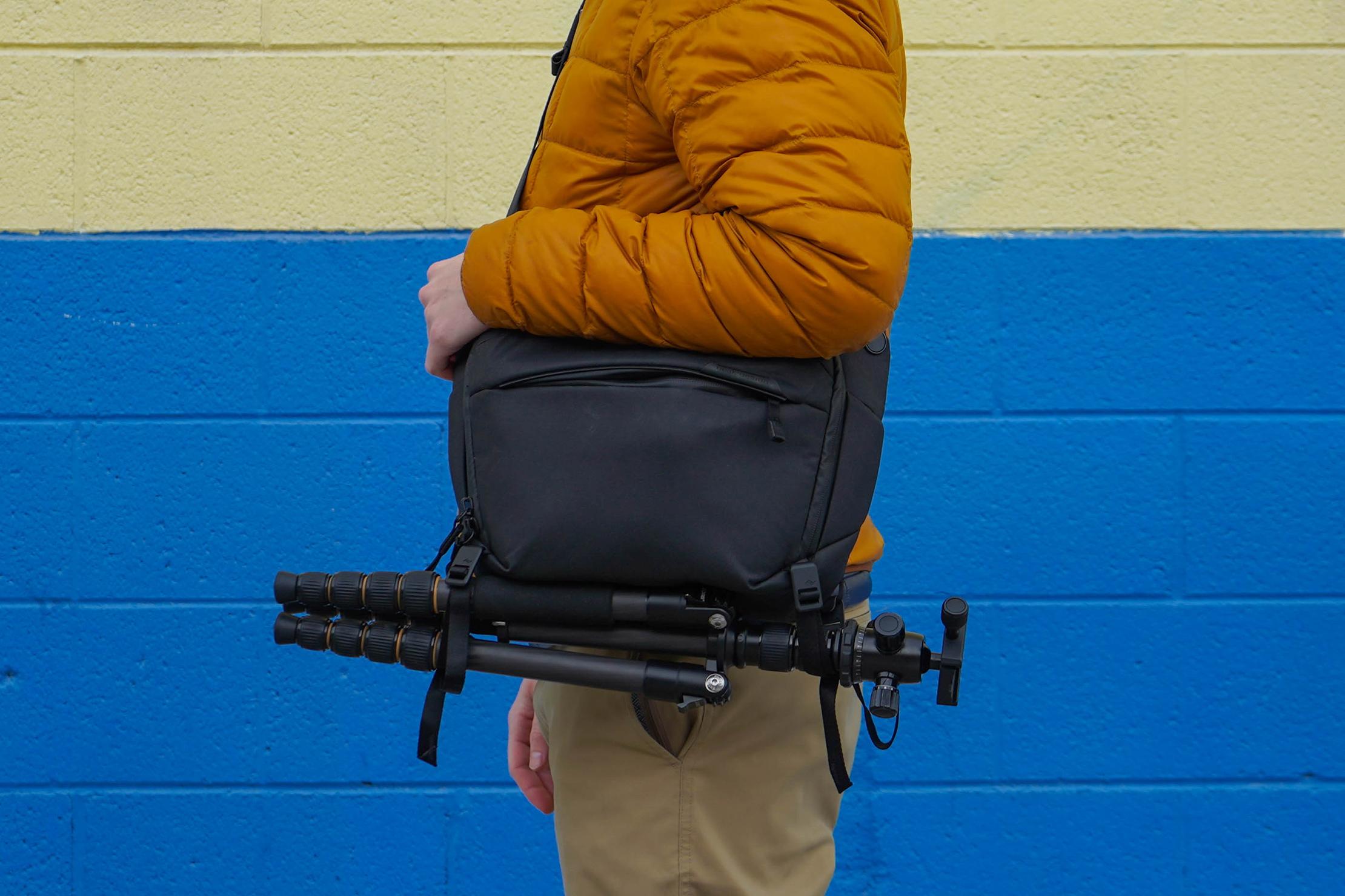 Peak Design Everyday Sling 6L V2 Tripod Carry