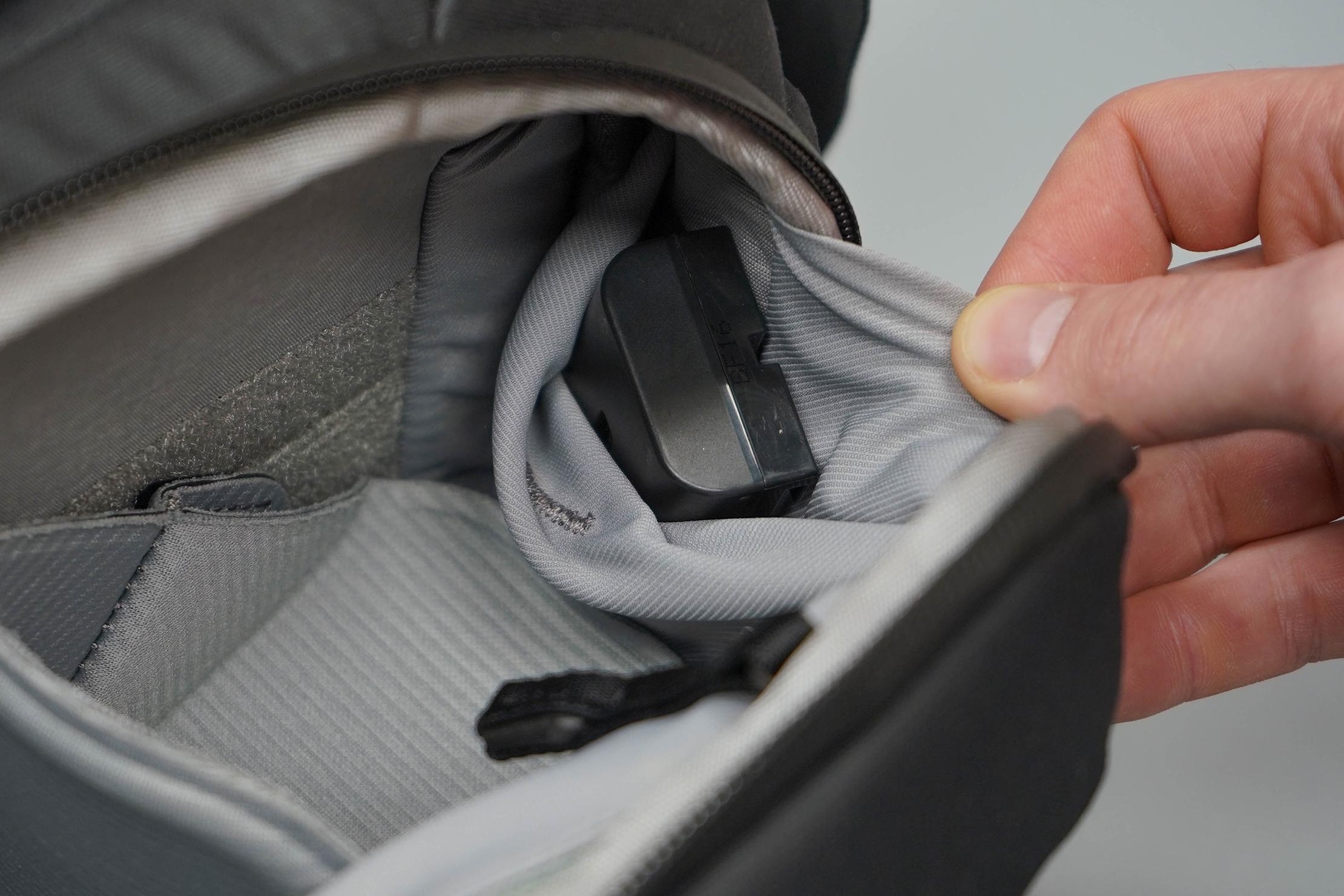 Peak Design Everyday Sling 6L V2 Side Pocket