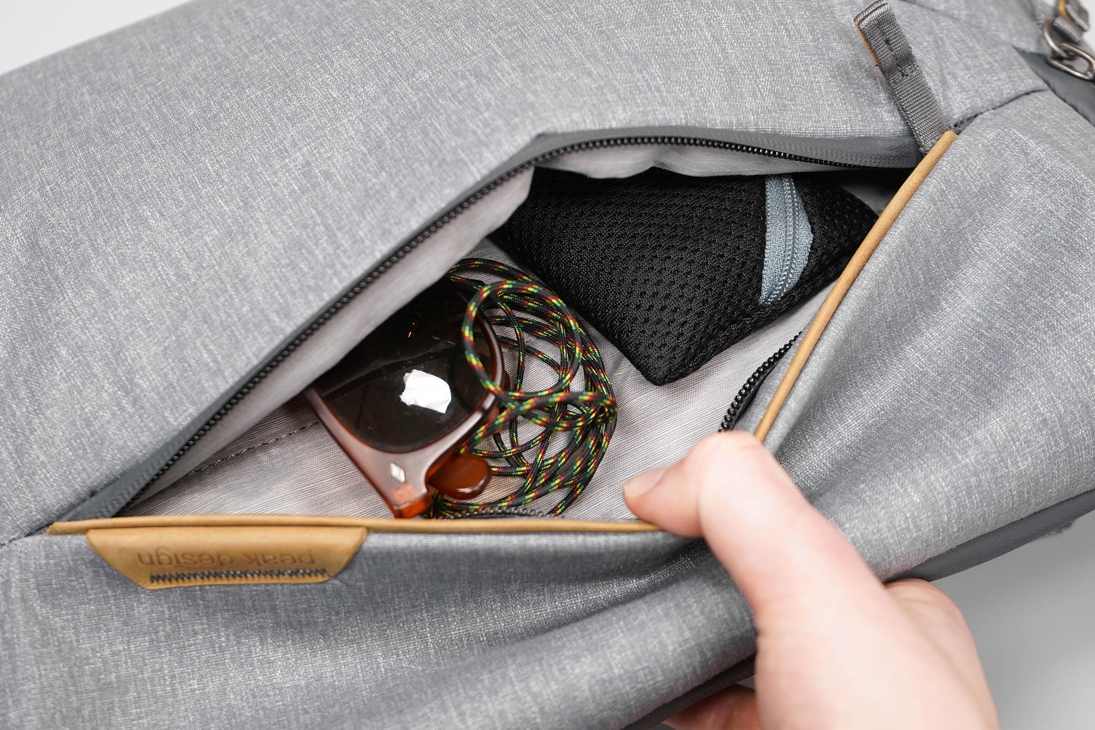 Peak Design Everyday Sling 10L V2 Front Pocket