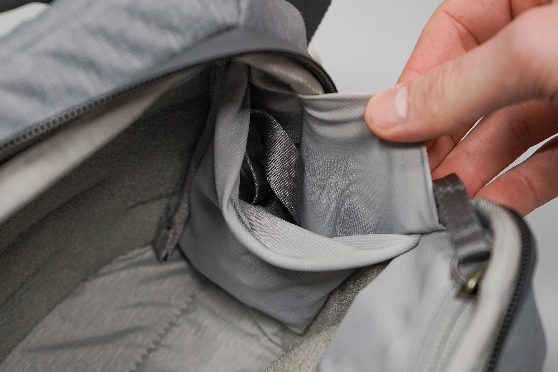 Peak Design Everyday Sling 3L V2 Side Pocket