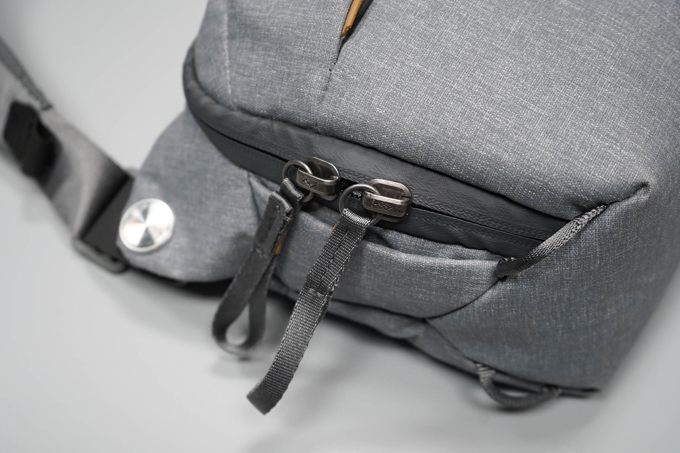 Peak Design Everyday Sling 3L V2 Zippers