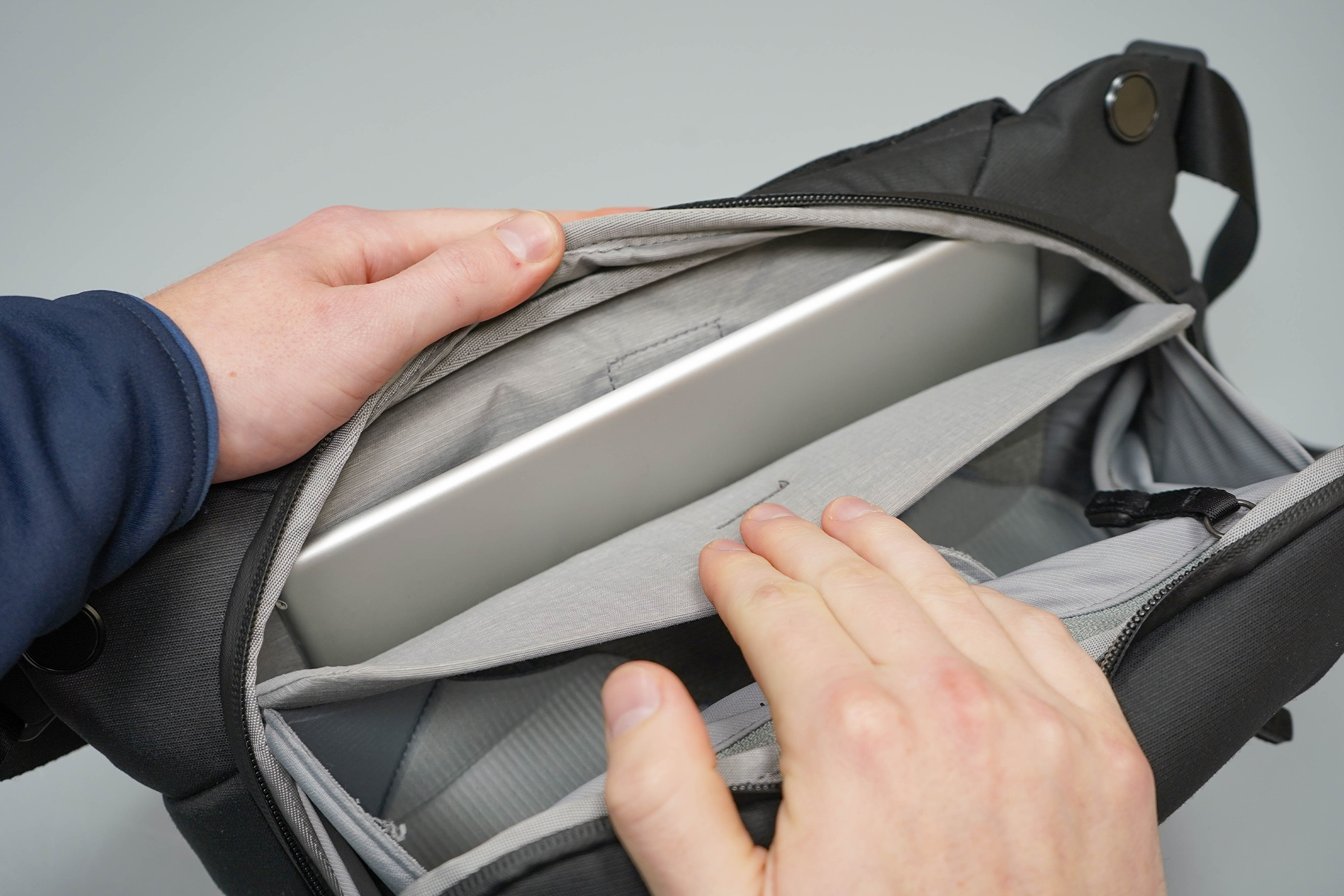 Peak Design Everyday Sling 6L V2 Tablet Pocket