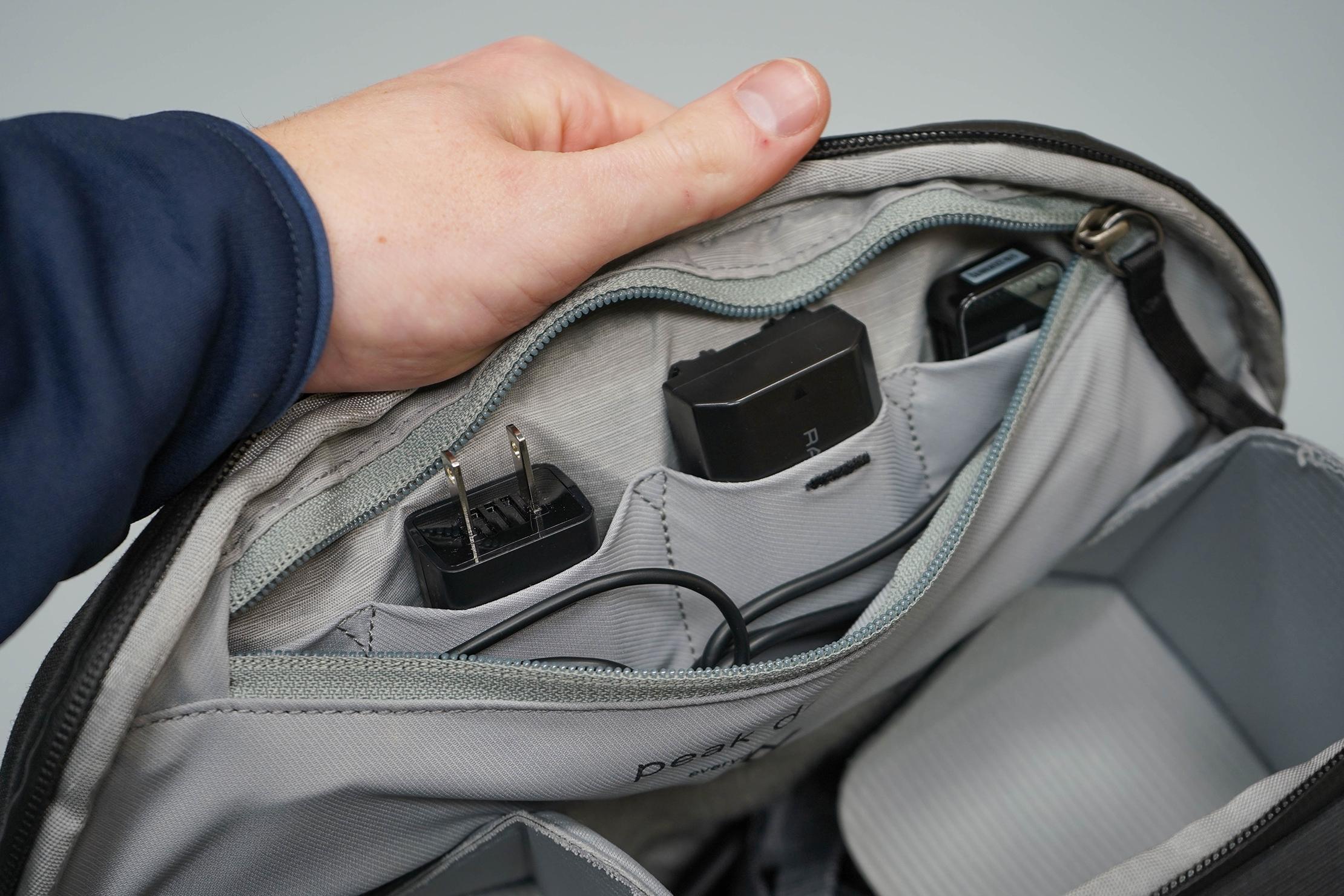 Peak Design Everyday Sling 6L V2 Inside Pocket Organization