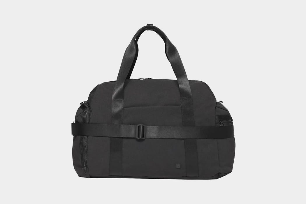 lululemon Command The Day Duffel 37L