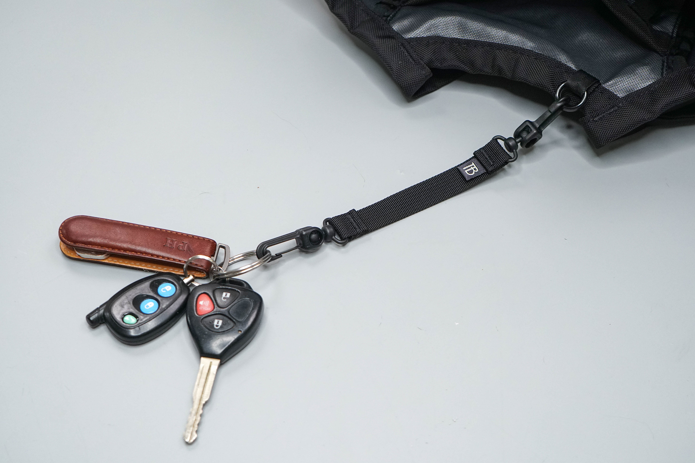 Tom Bihn Pick-Up Truck Key Strap